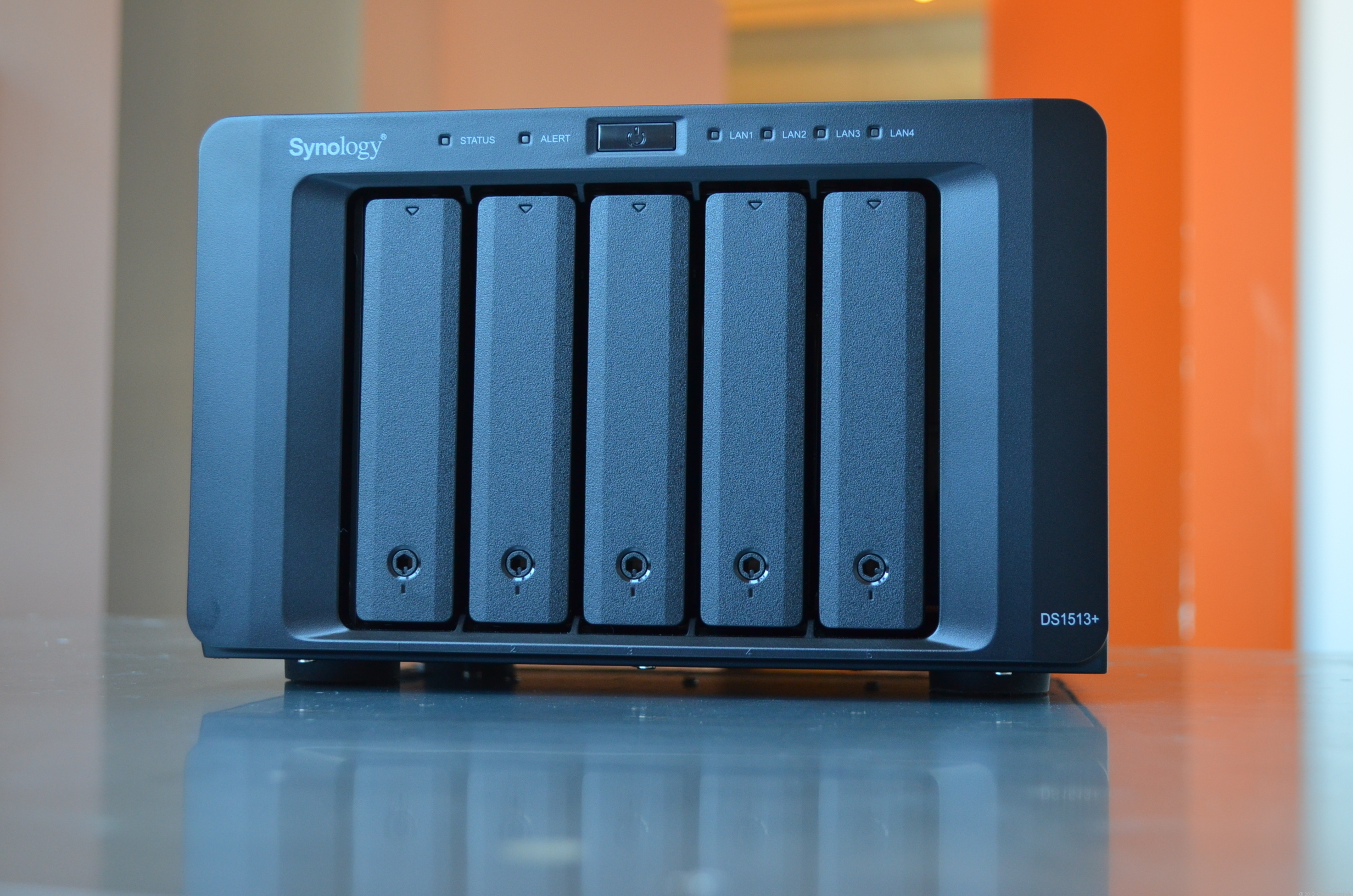 The DiskStation DS1513+ has five front-facing drive bays, each of which can handle a standard hard drive of up to 4TB.