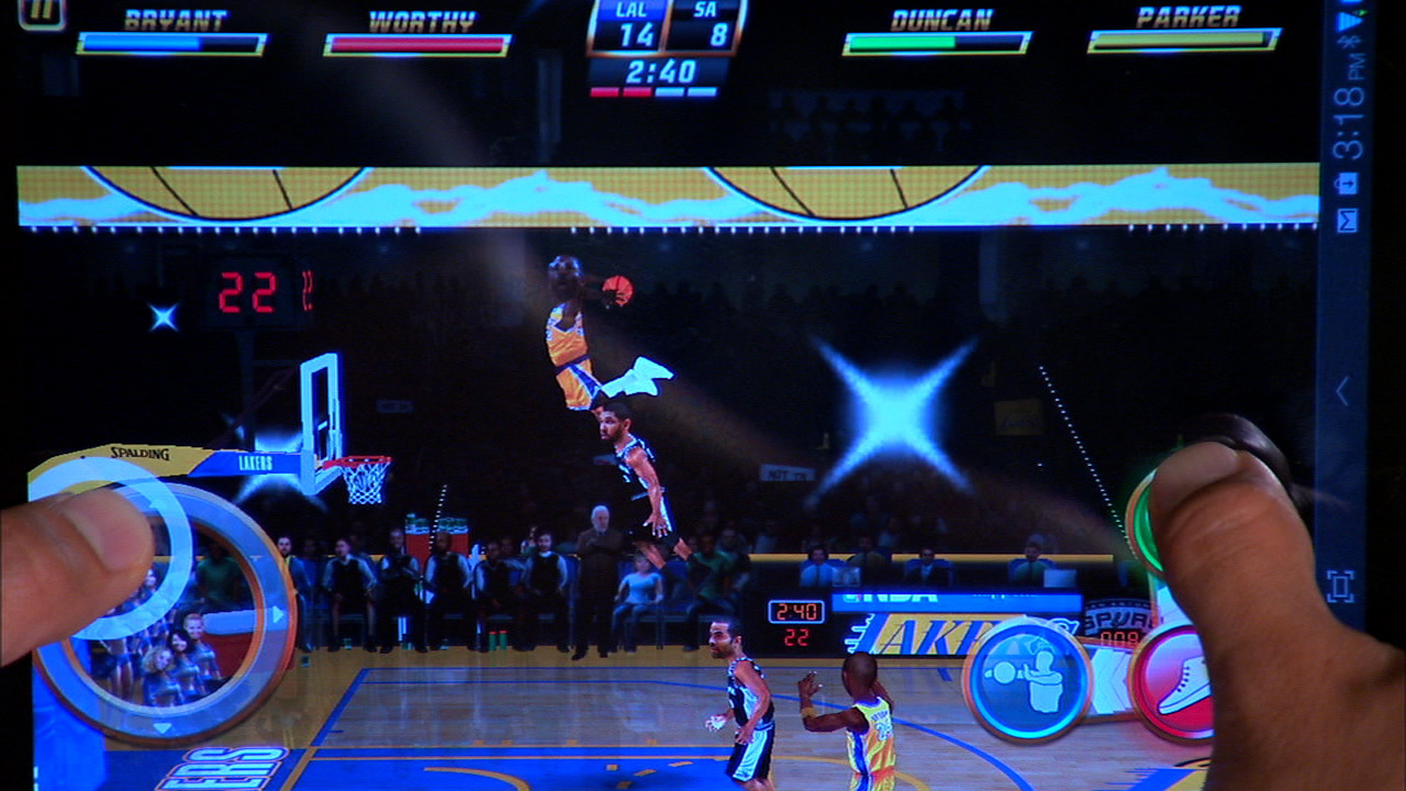 Video: Throw down some 360-degree tomahawk dunks with NBA Jam for Android