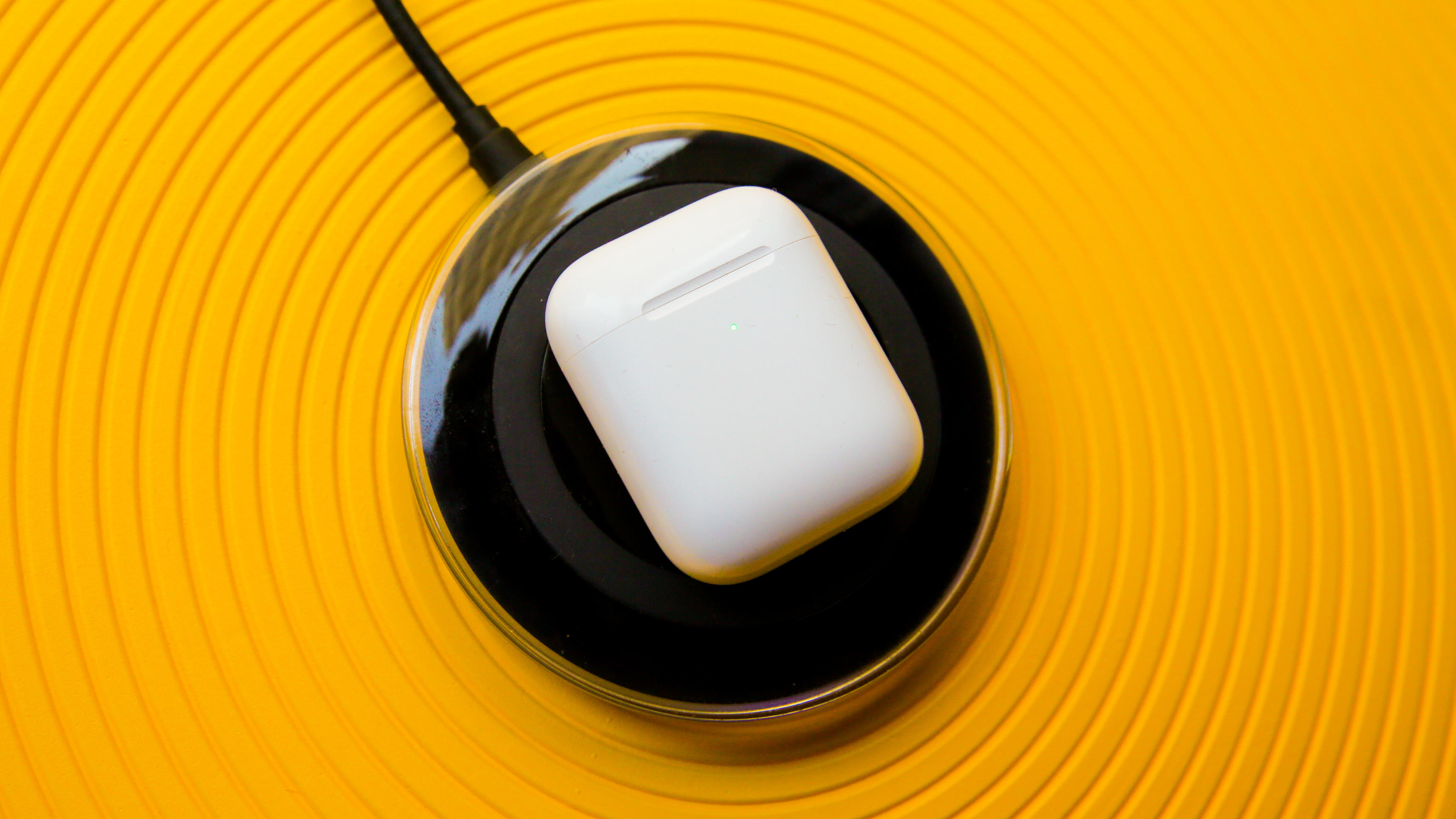 03-airpods-2nd-generation