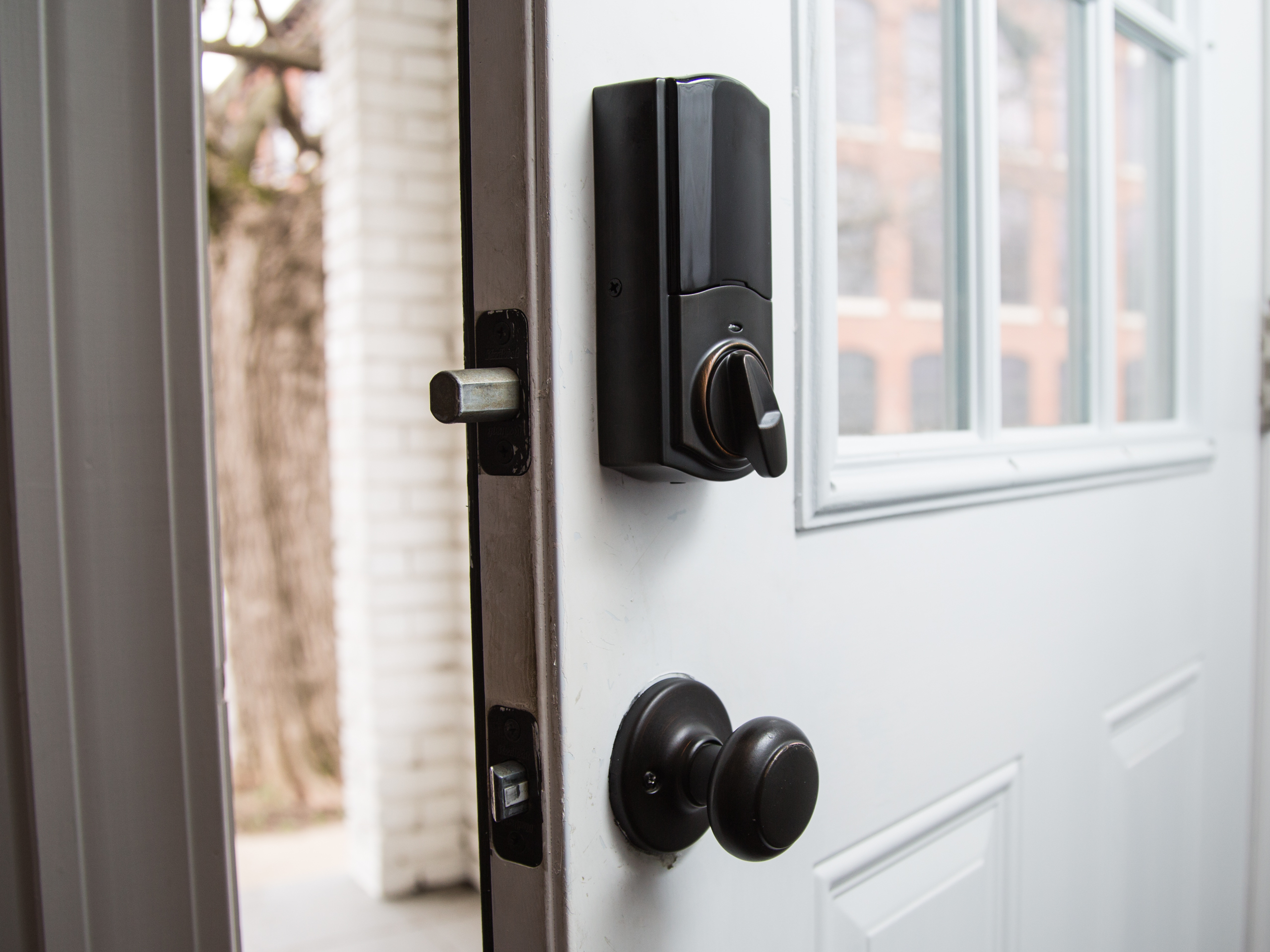 Home security checklist: 9 tips to keep your house safe from intruders -  CNET