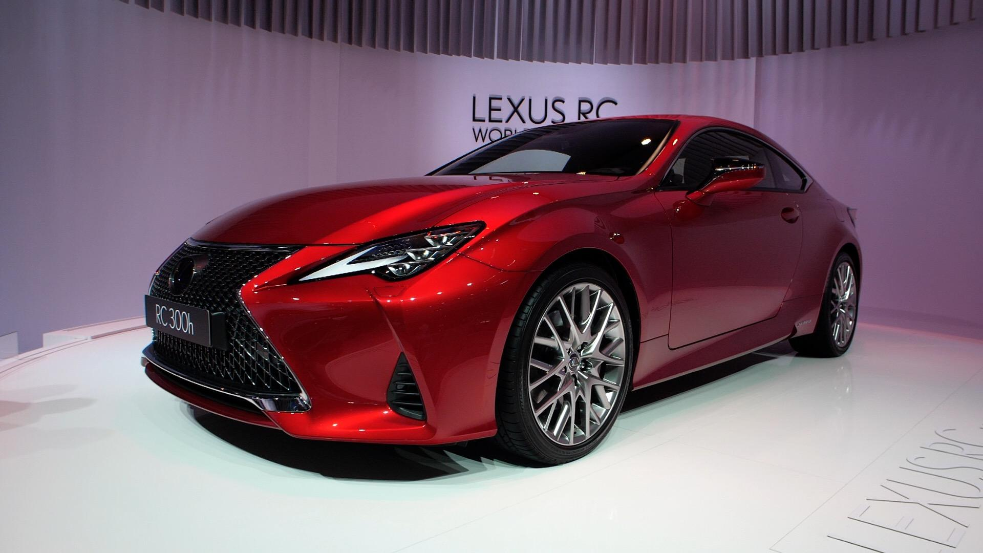 Video: Lexus debuts a refreshed RC coupe at Paris Motor Show