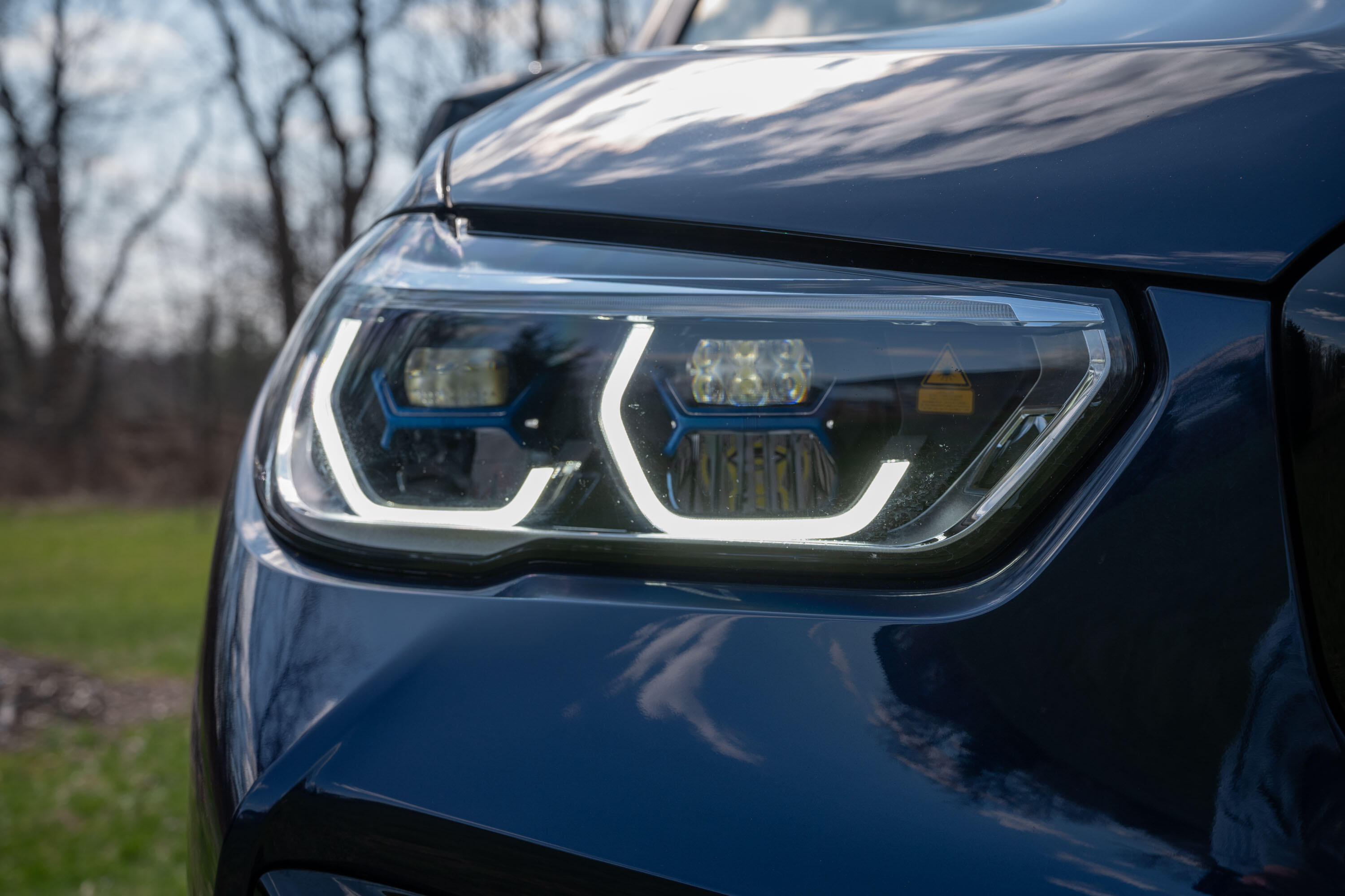 2020-bmw-x5-m-competition-06