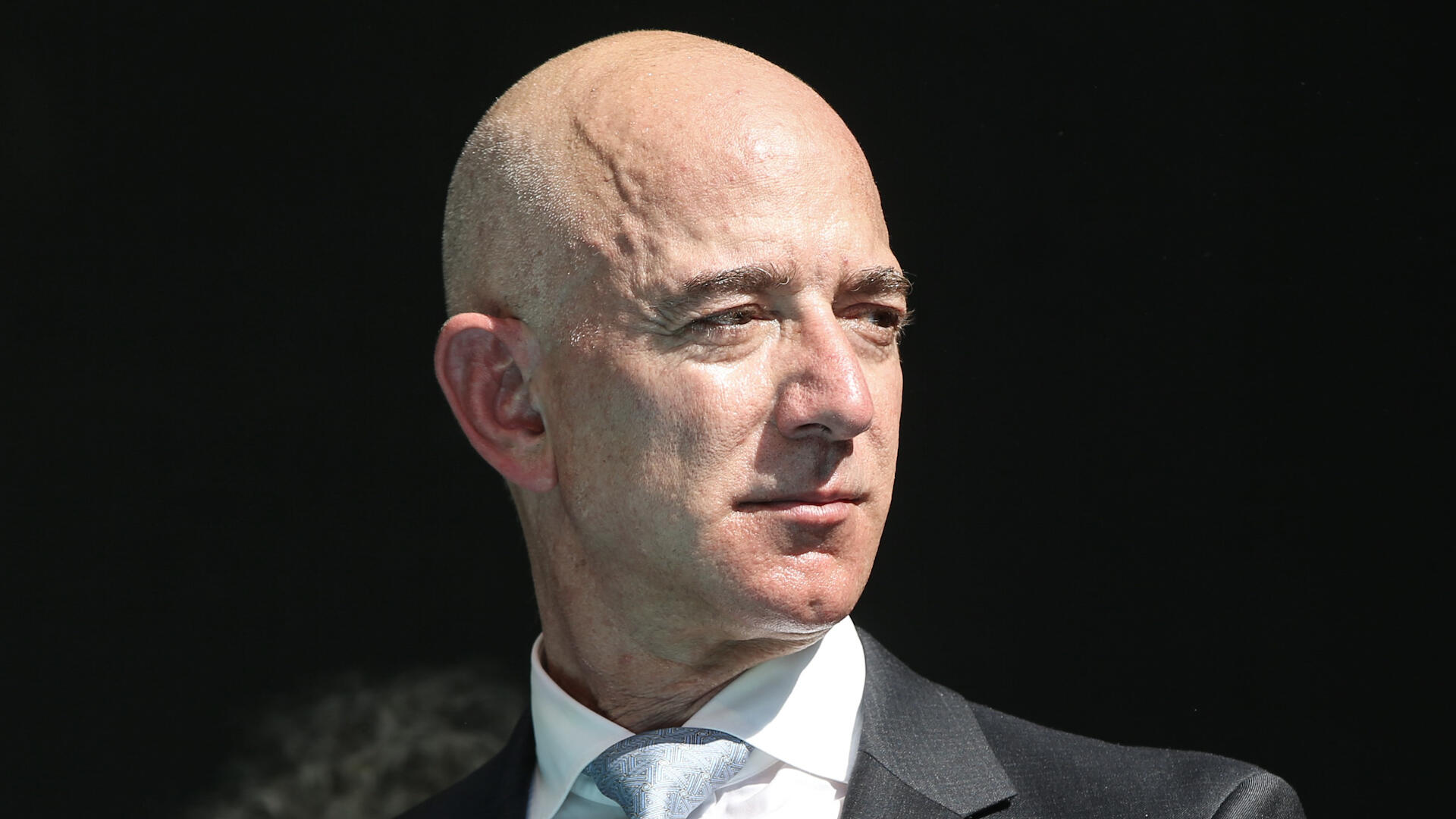 Video: Bezos says Amazon can do better by its employees, Google Earth gets big update
