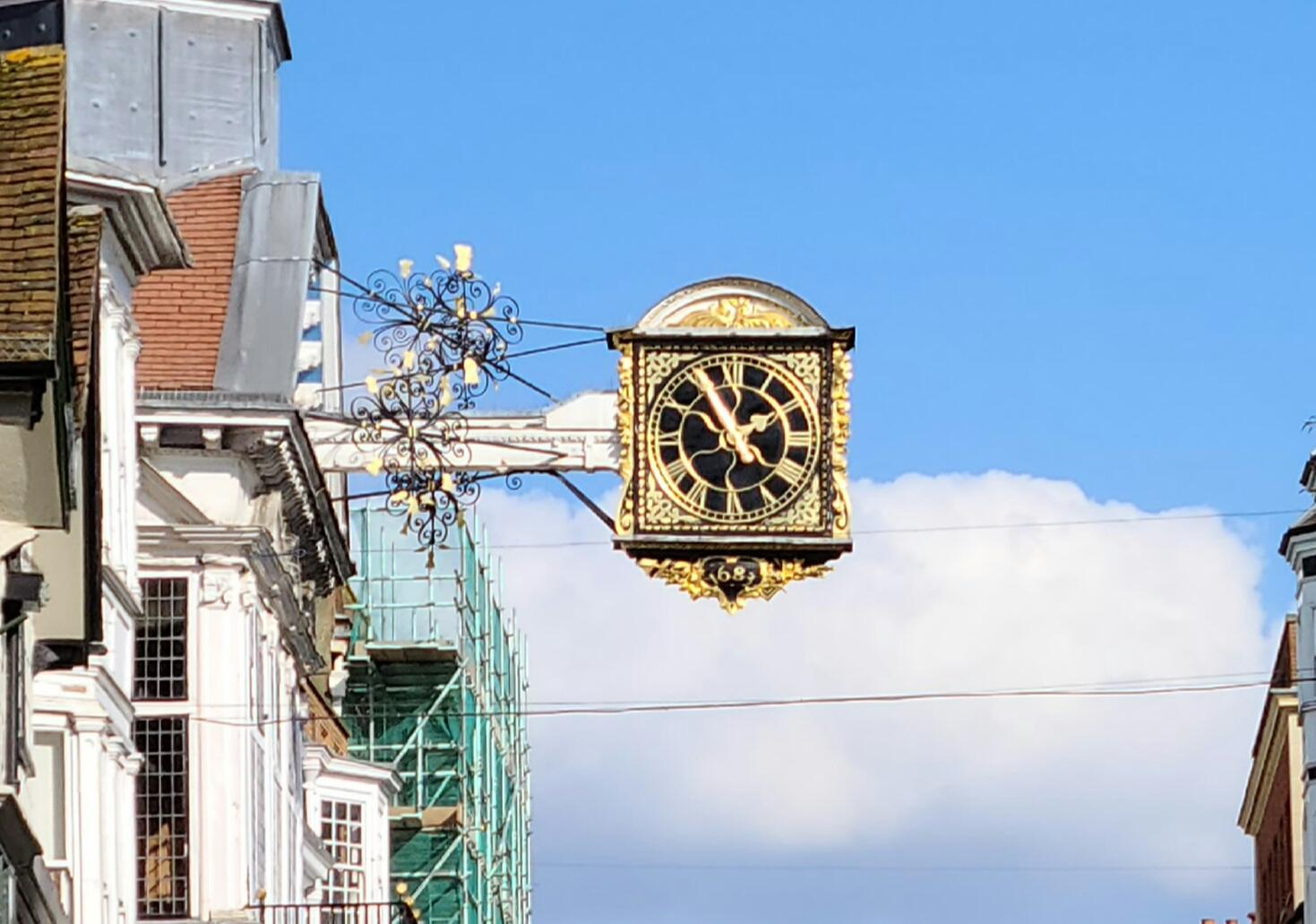 guildford-clock-64mp-crop