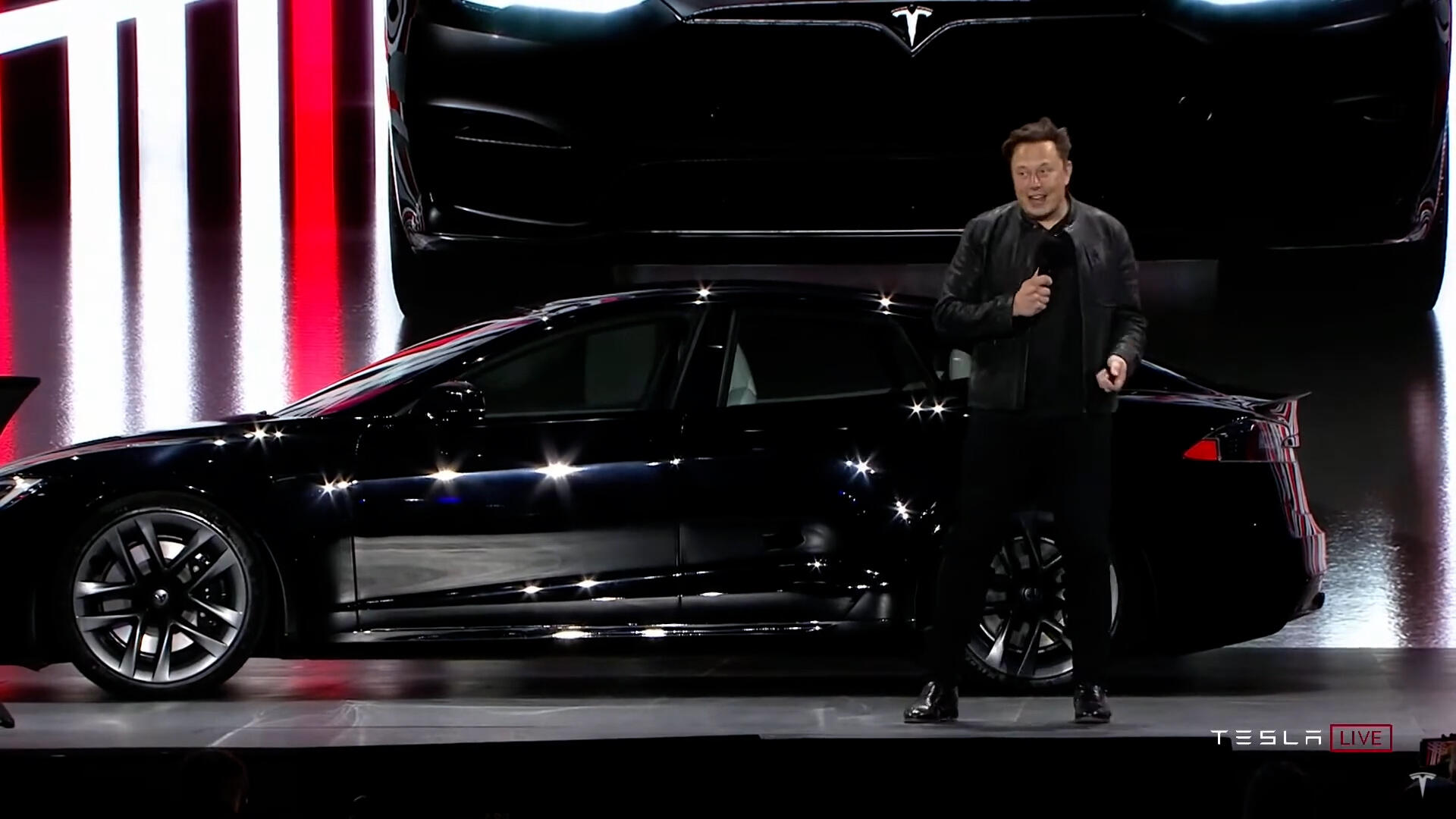 Video: New Tesla Model S Plaid rolls out, Xbox coming to smart TVs