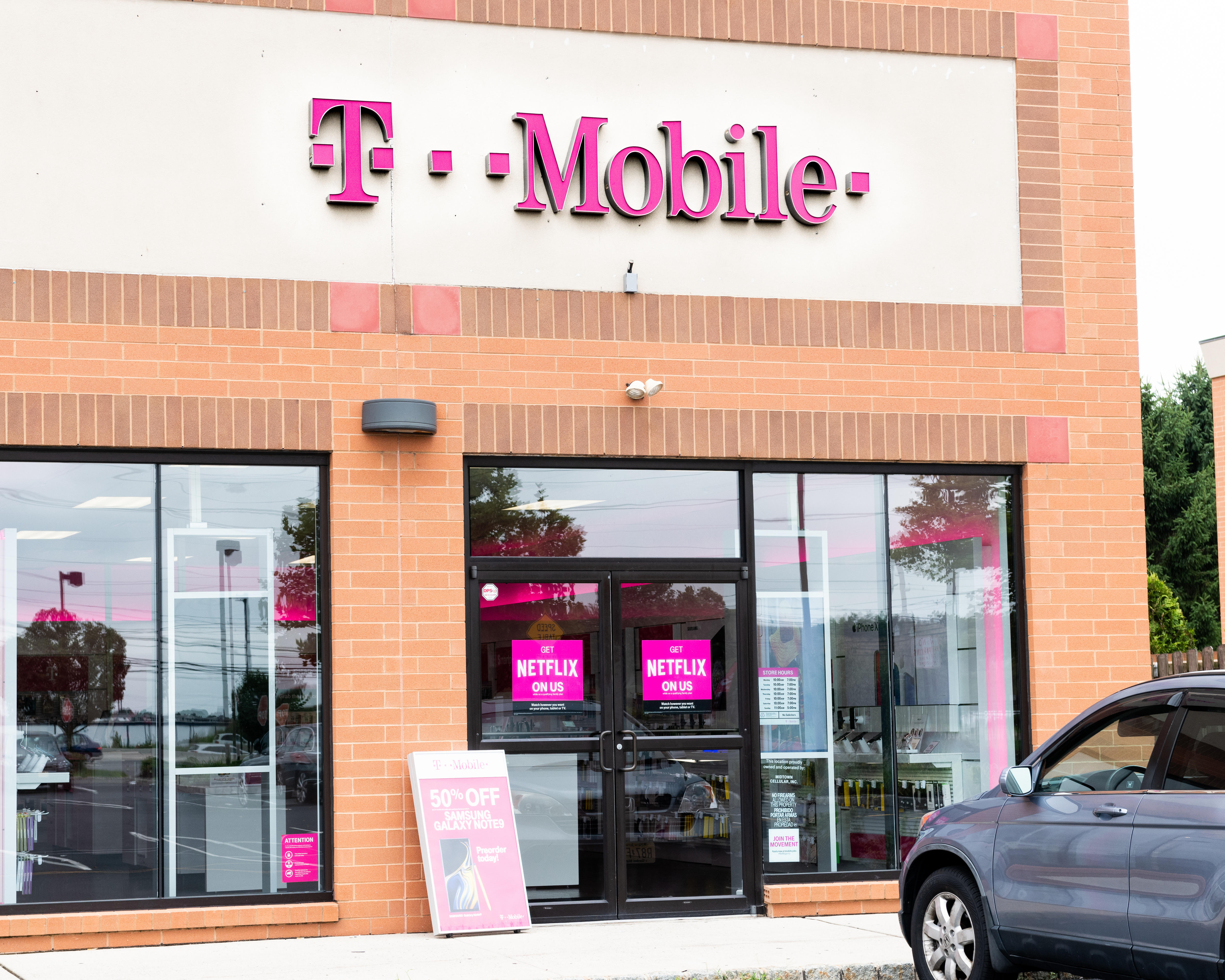 T-Mobile store in North Brunswick Township, New Jersey