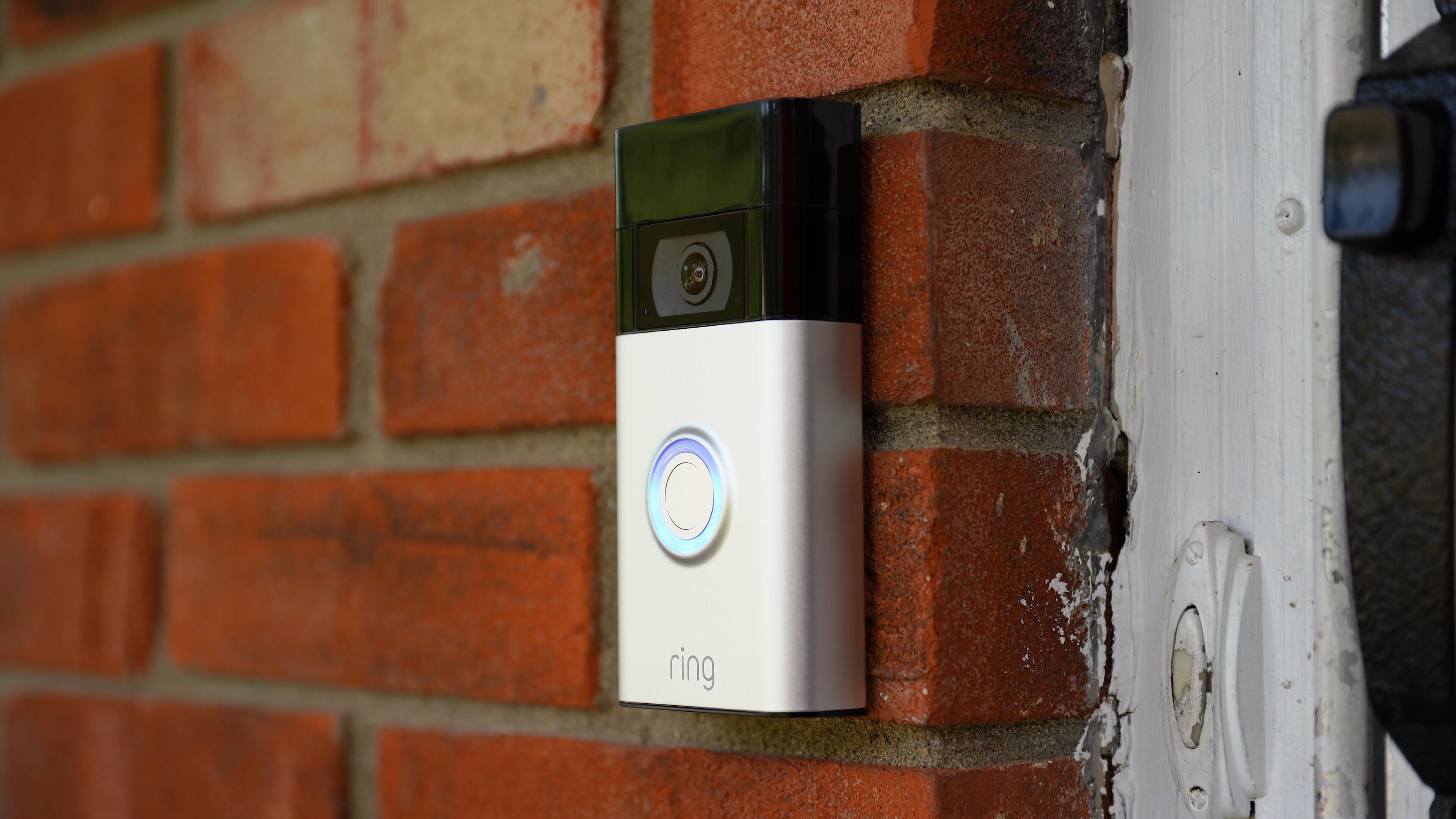 Video: Ring's newest old doorbell delivers affordable porch monitoring