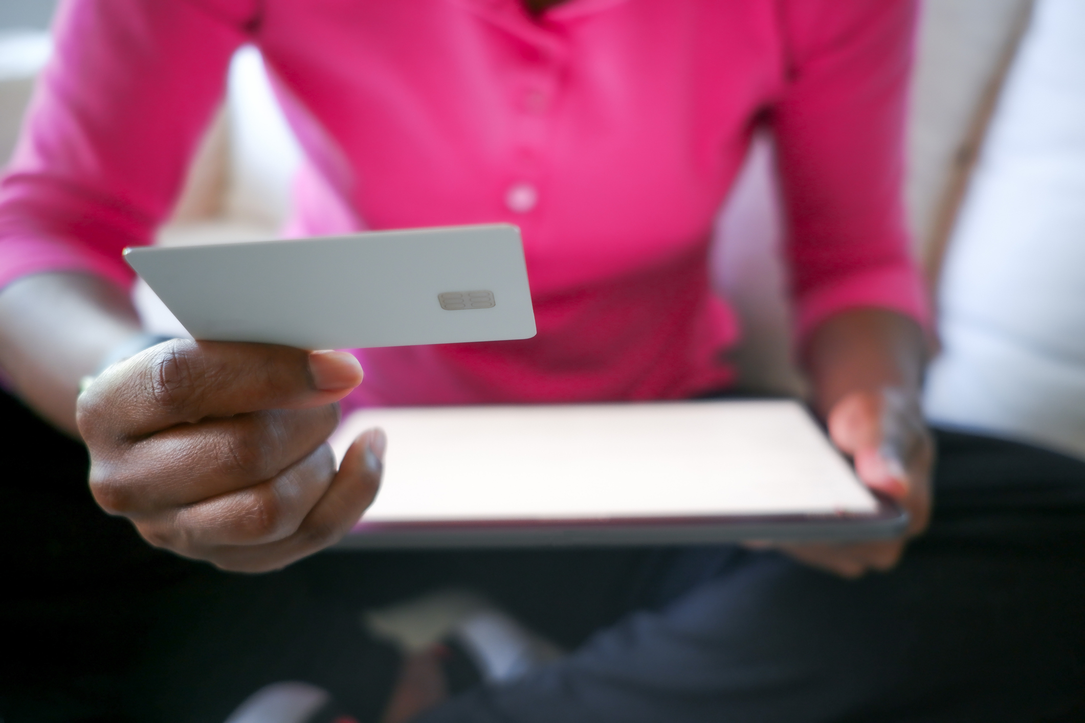 secured-credit-card-gettyimages-1321046833