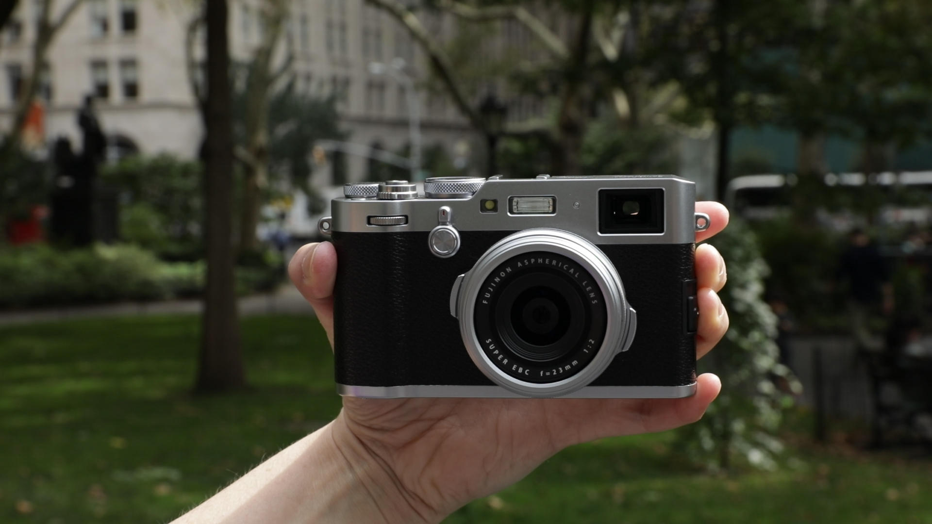 Video: Fujifilm X100F: A great enthusiast compact for manual fans