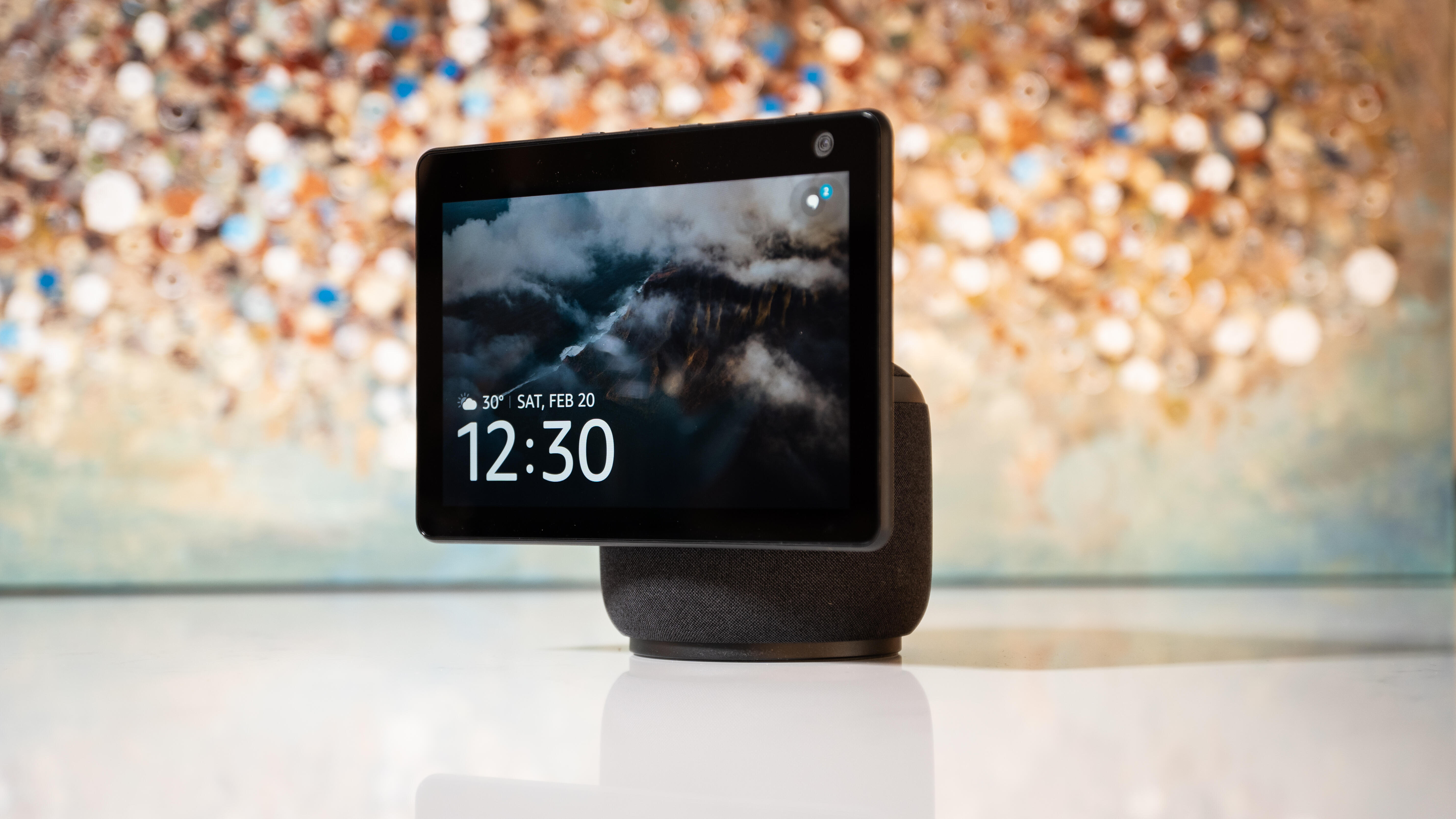 Video: Amazon Echo Show 10: Alexa puts her spin on moving smart displays