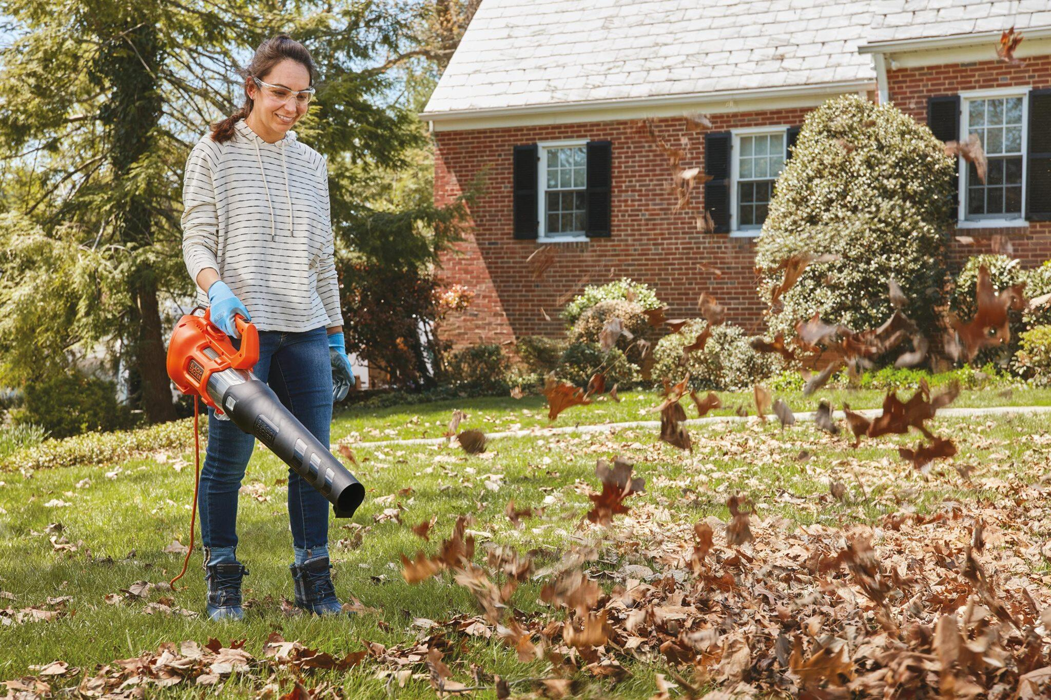 How to get the most out of your leaf blower all year long - CNET
