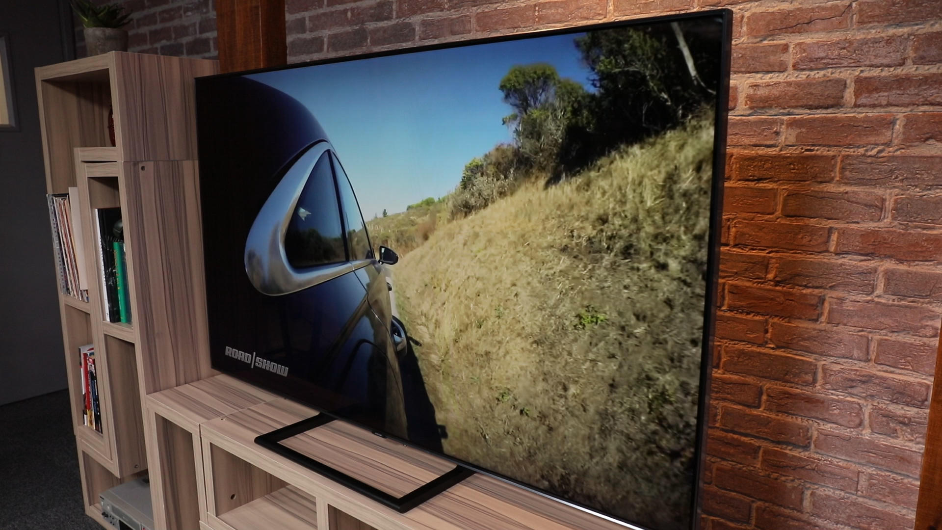 Video: Samsung Q9 TV goes against OLED with LCD's best picture yet