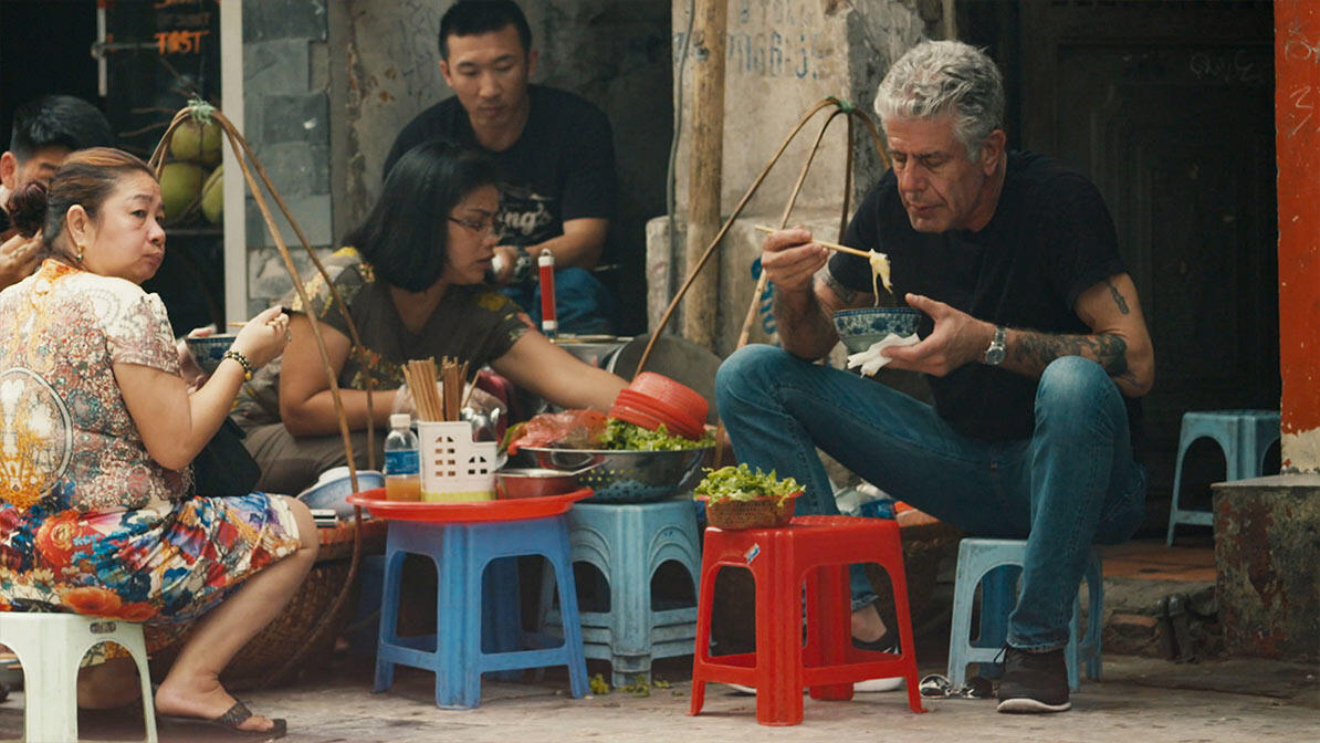 The use of artificial intelligence to copy the voice of Anthony Bourdain in documentaries generates criticism