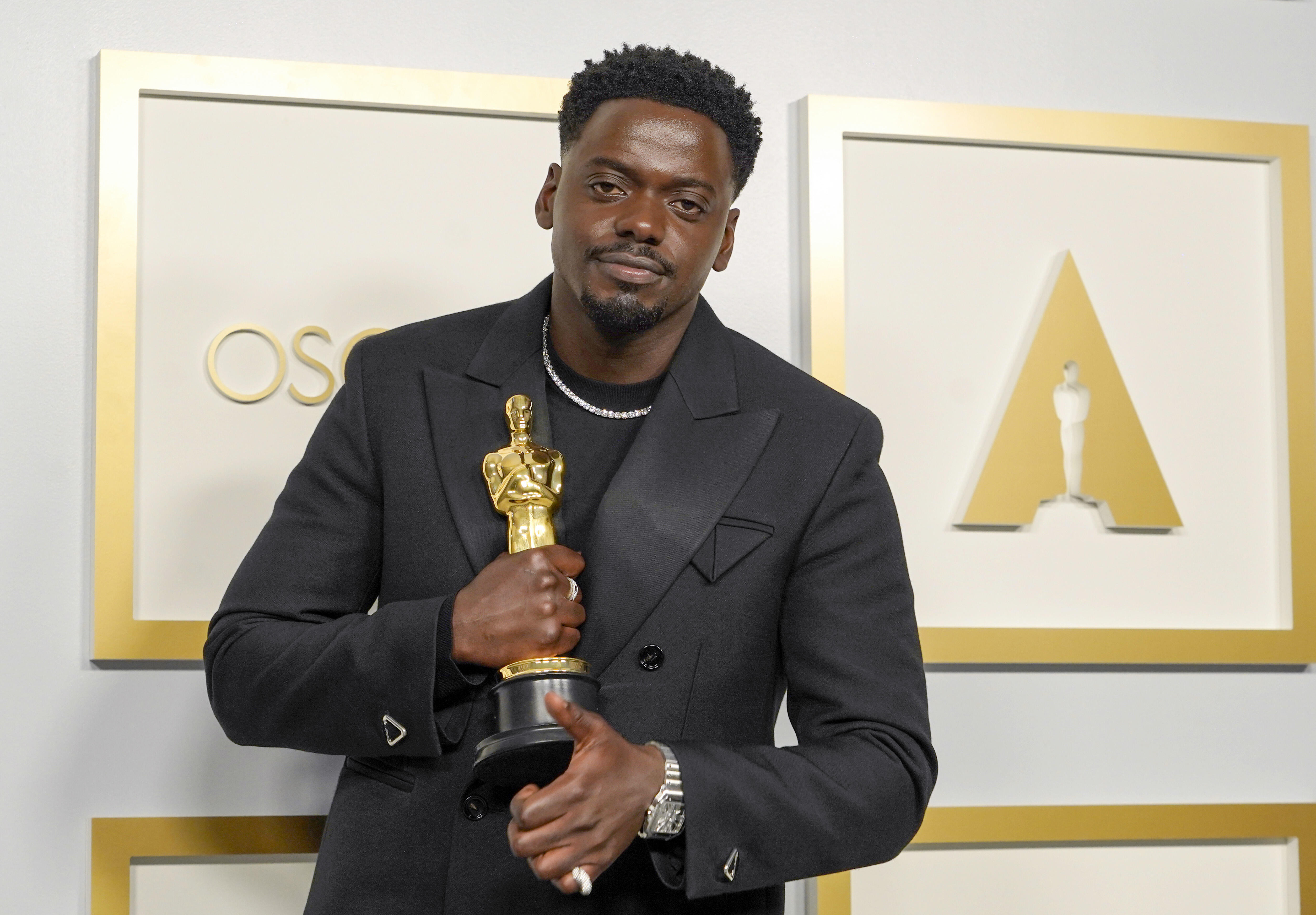 Oscars 2021 live results: All the winners, from Chloé Zhao to Daniel Kaluuya  - CNET