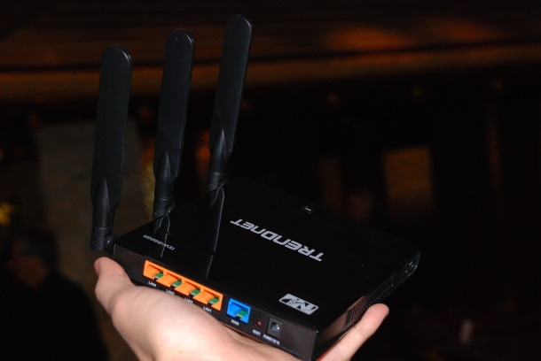 The new TEW-692GR true dual-band 450Mbps Wireless-N router from Trendnet.