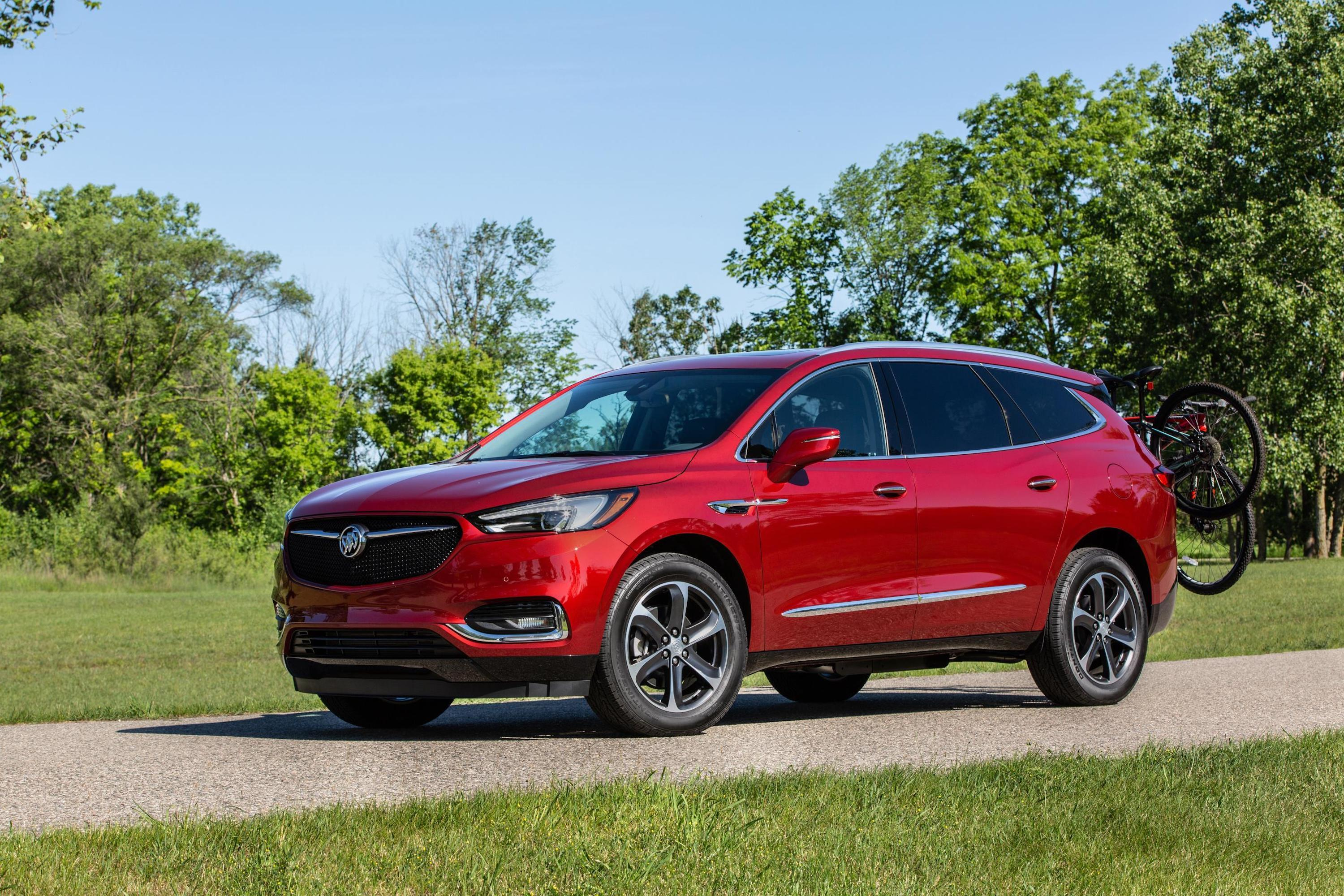 2020-buick-enclave-sporttouring-007