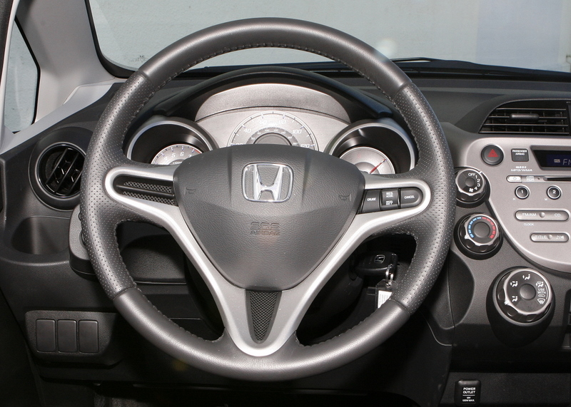 Steering wheel buttons