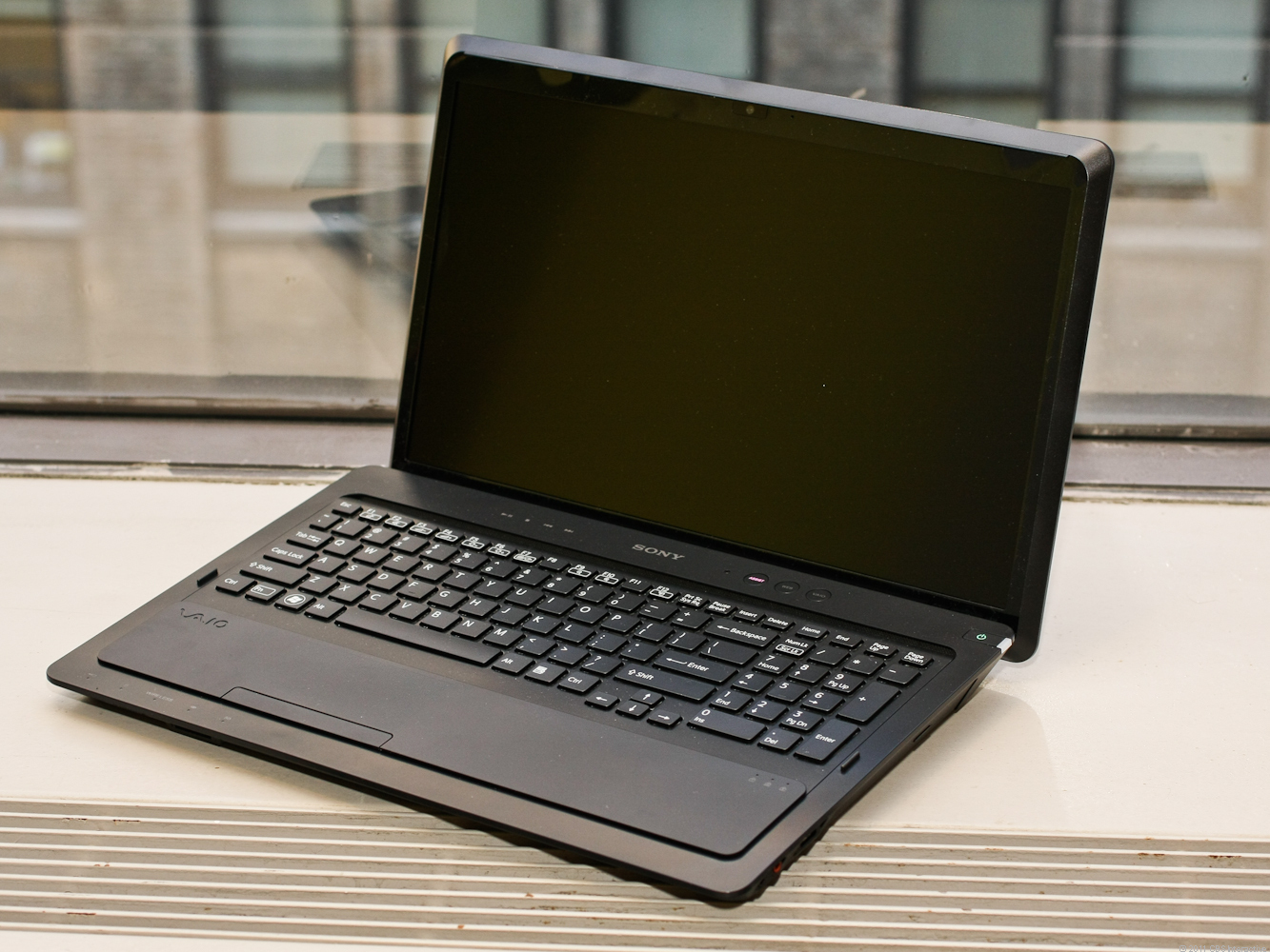 """Sony VAIO F Series VPC-F237FX/B - 16.4"""" - Core i7 2670QM - 8 GB RAM - 640 GB HDD - QWERTY"""