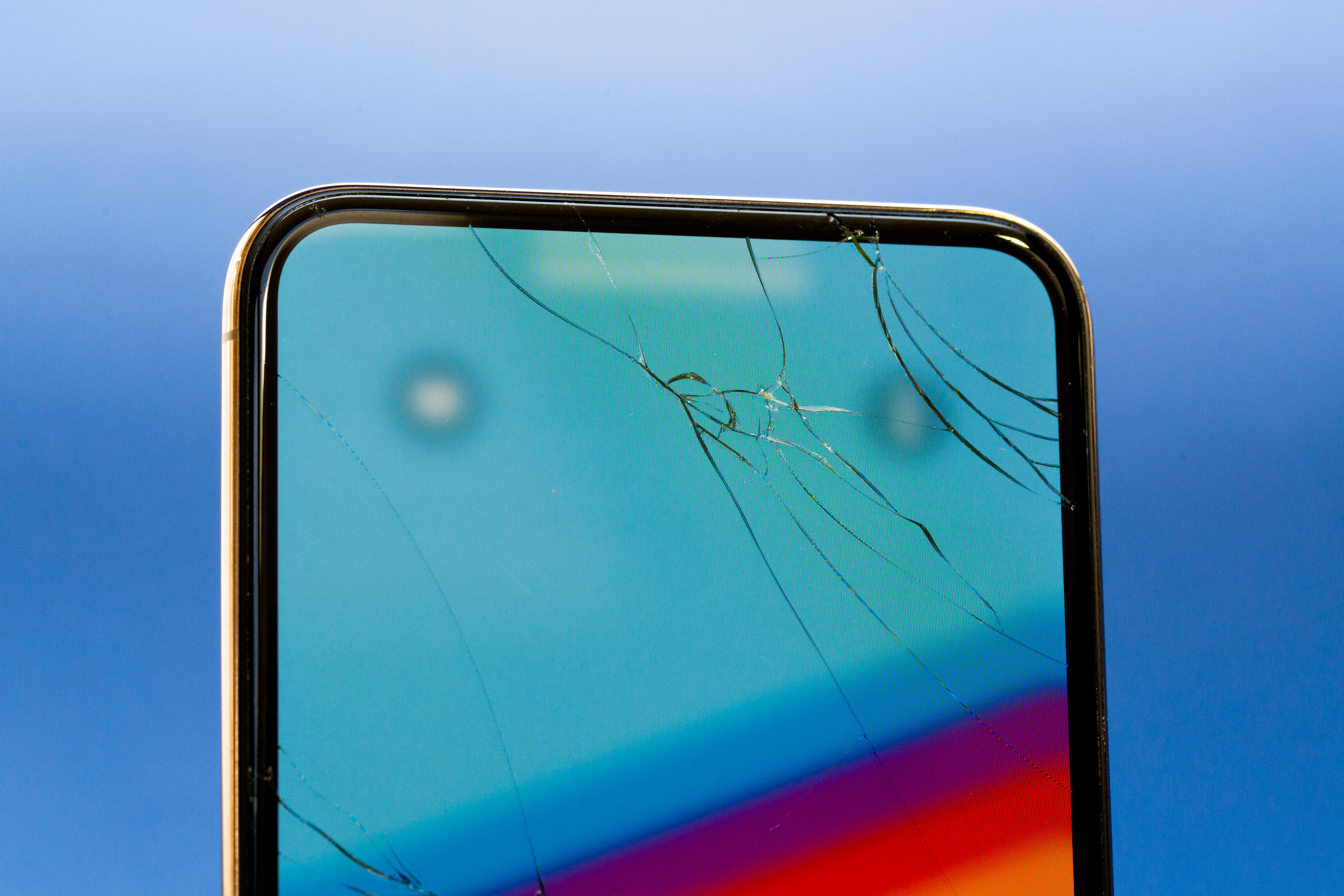 iphone-xs-max-broken-screen-4