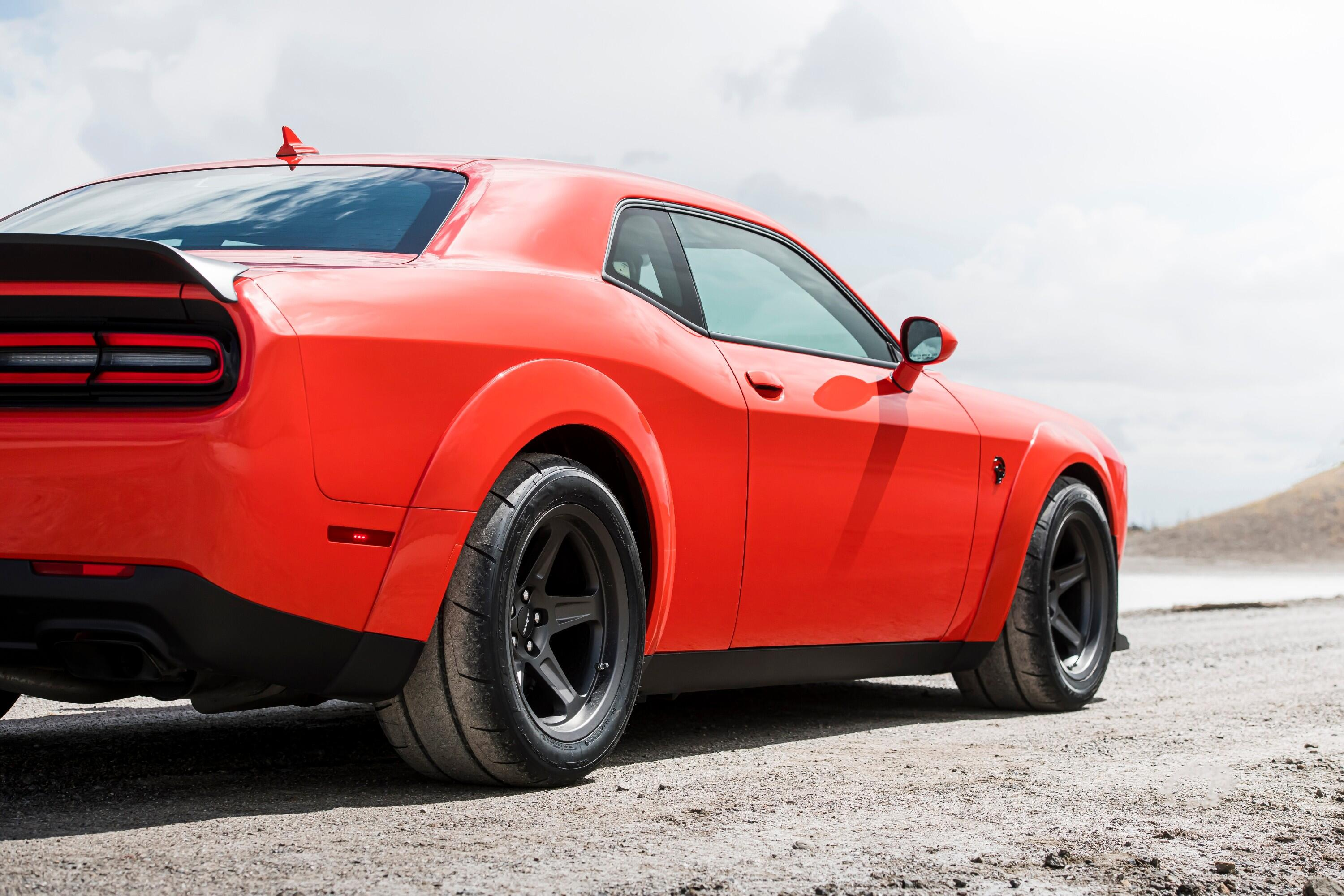 2021-dodge-challenger-srt-superstock-007