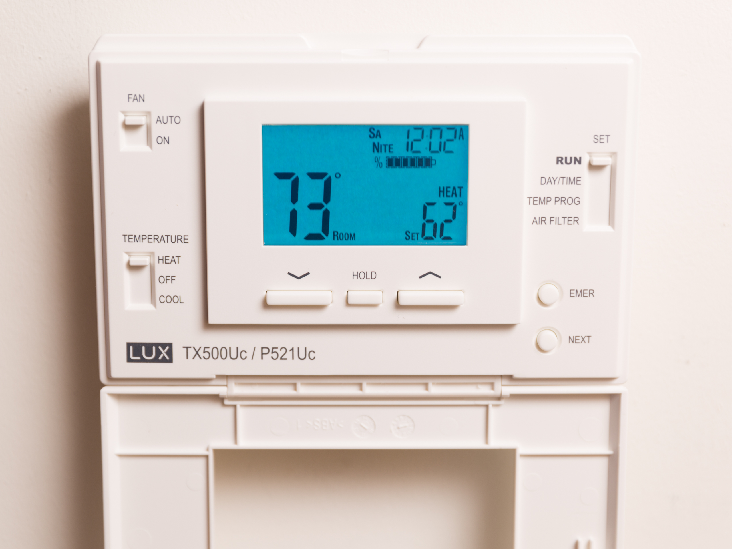 emerson-17f8-151-thermostat-product-photos-1.jpg