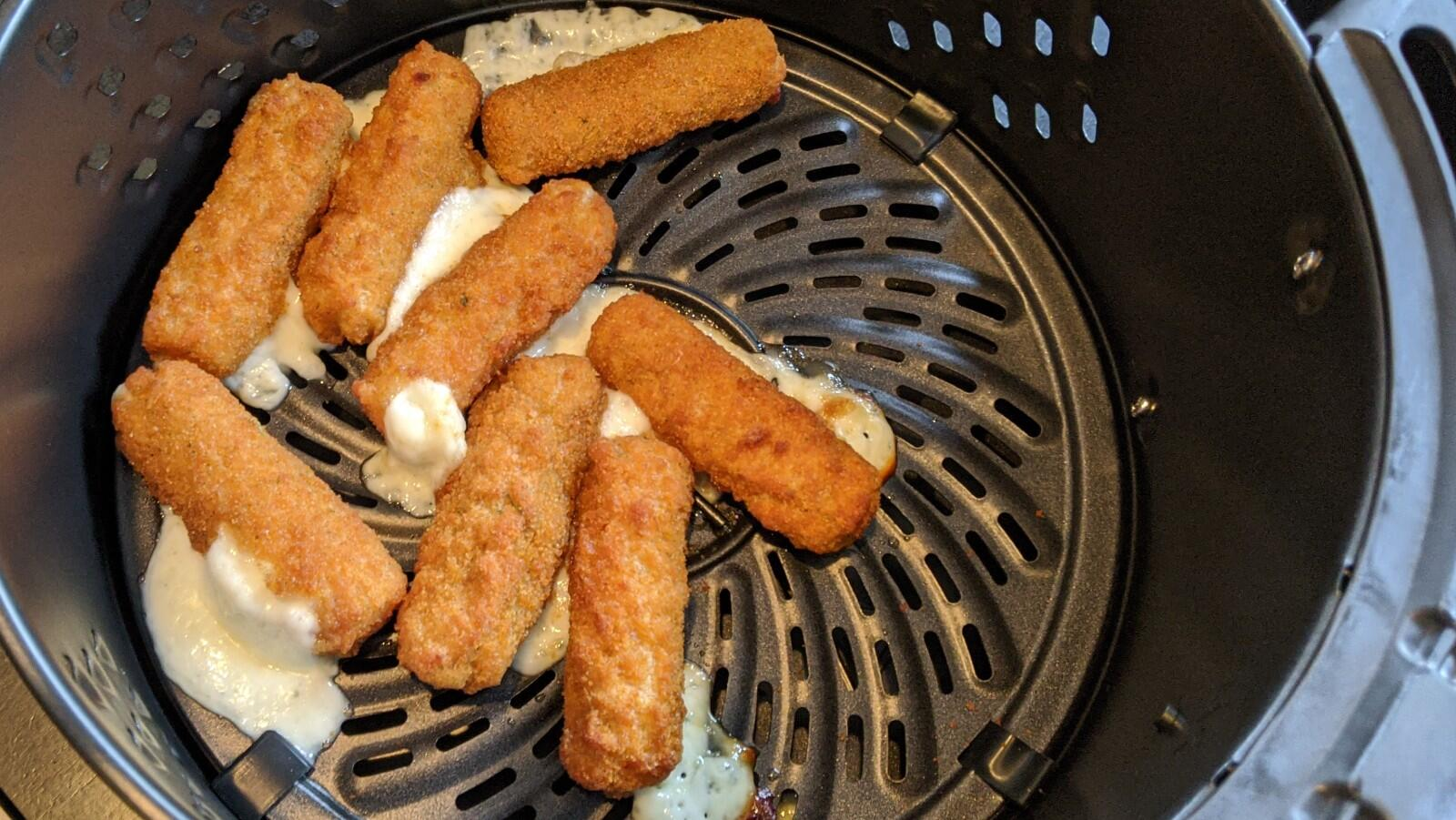 dash-delux-mozz-sticks
