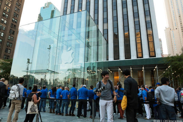 Hundreds of people await the iPhone 5S and 5C launch at Apple's Fifth Avenue store in Manhattan.