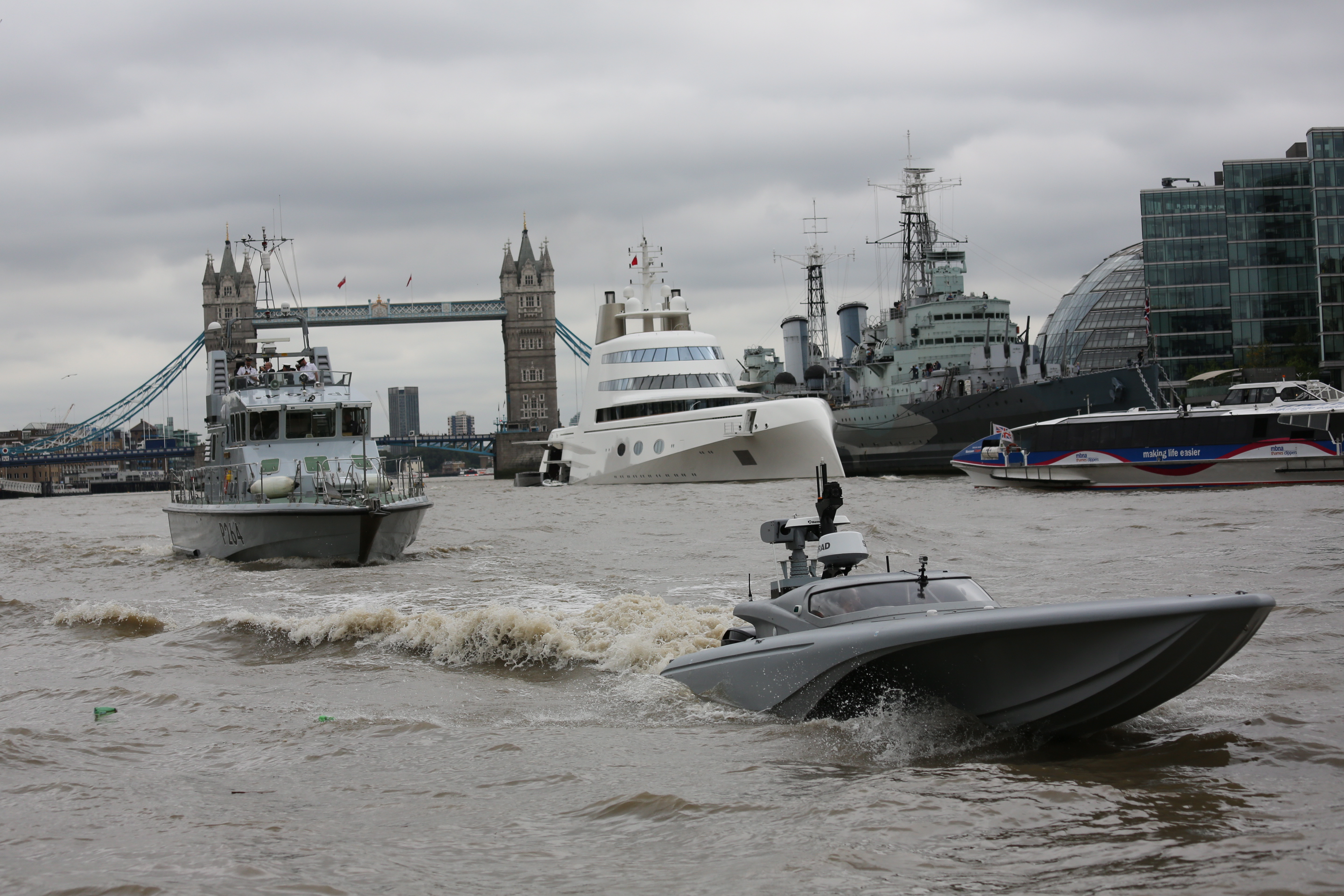 mod-mast-royal-navy-drone-boat-tower-bridge4.jpg