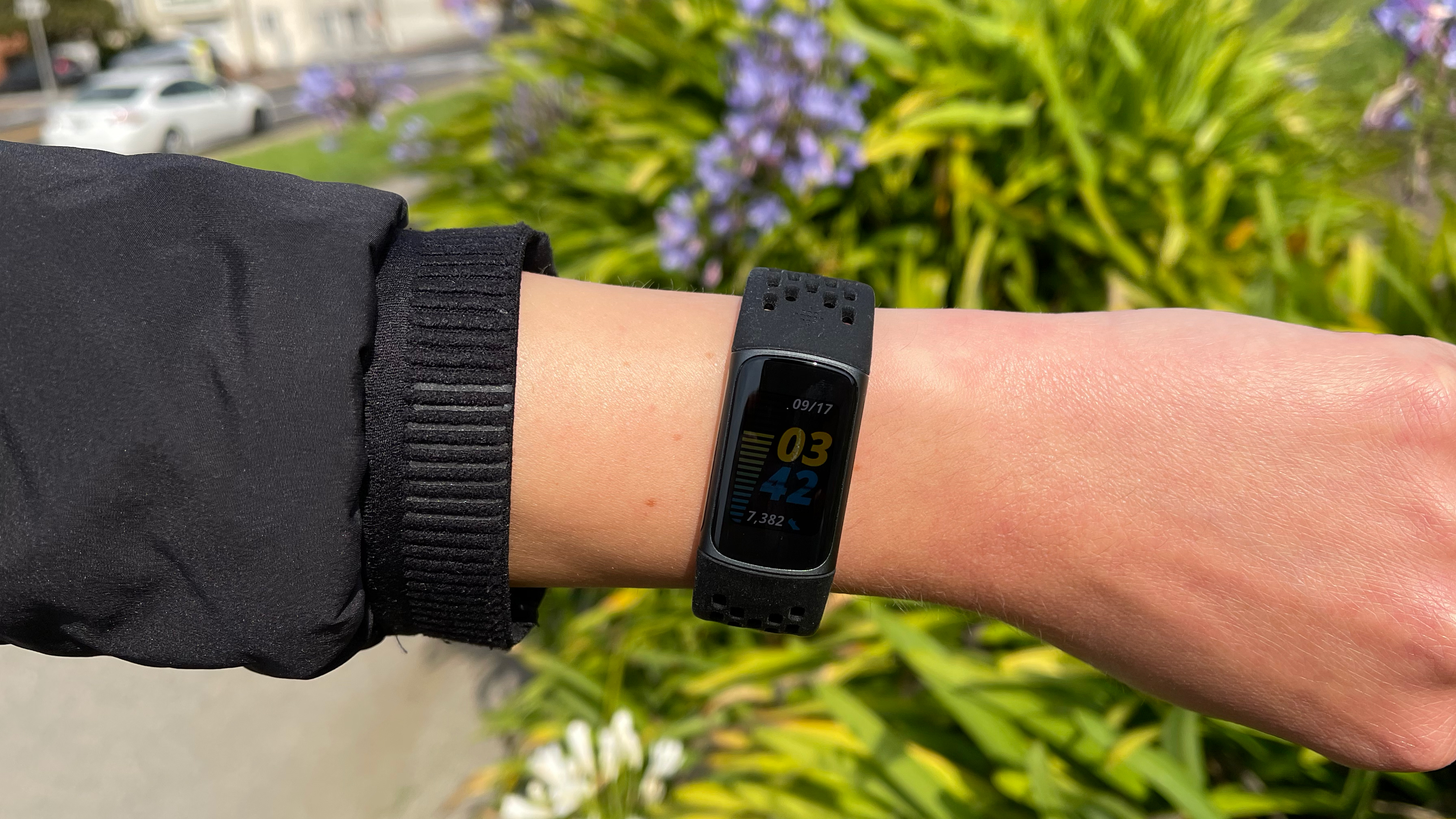 fitbitcharge5-4