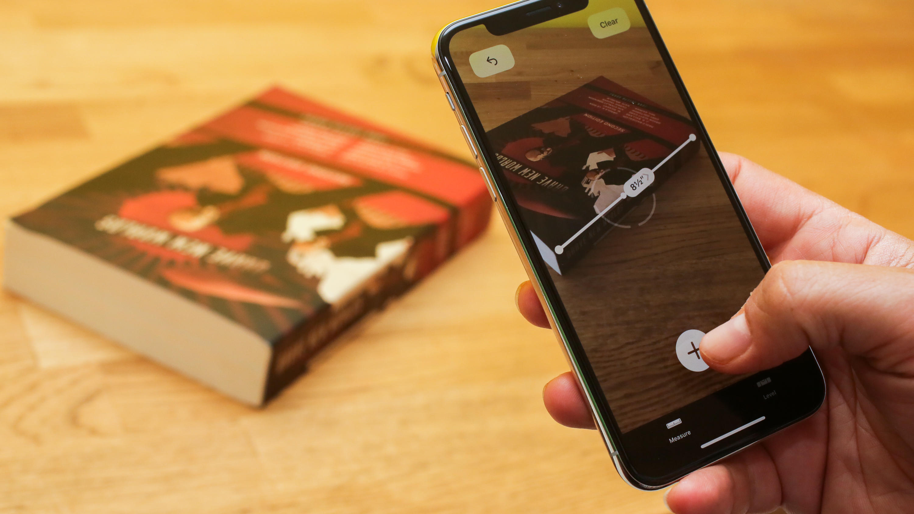 ARKit 2 and Measure
