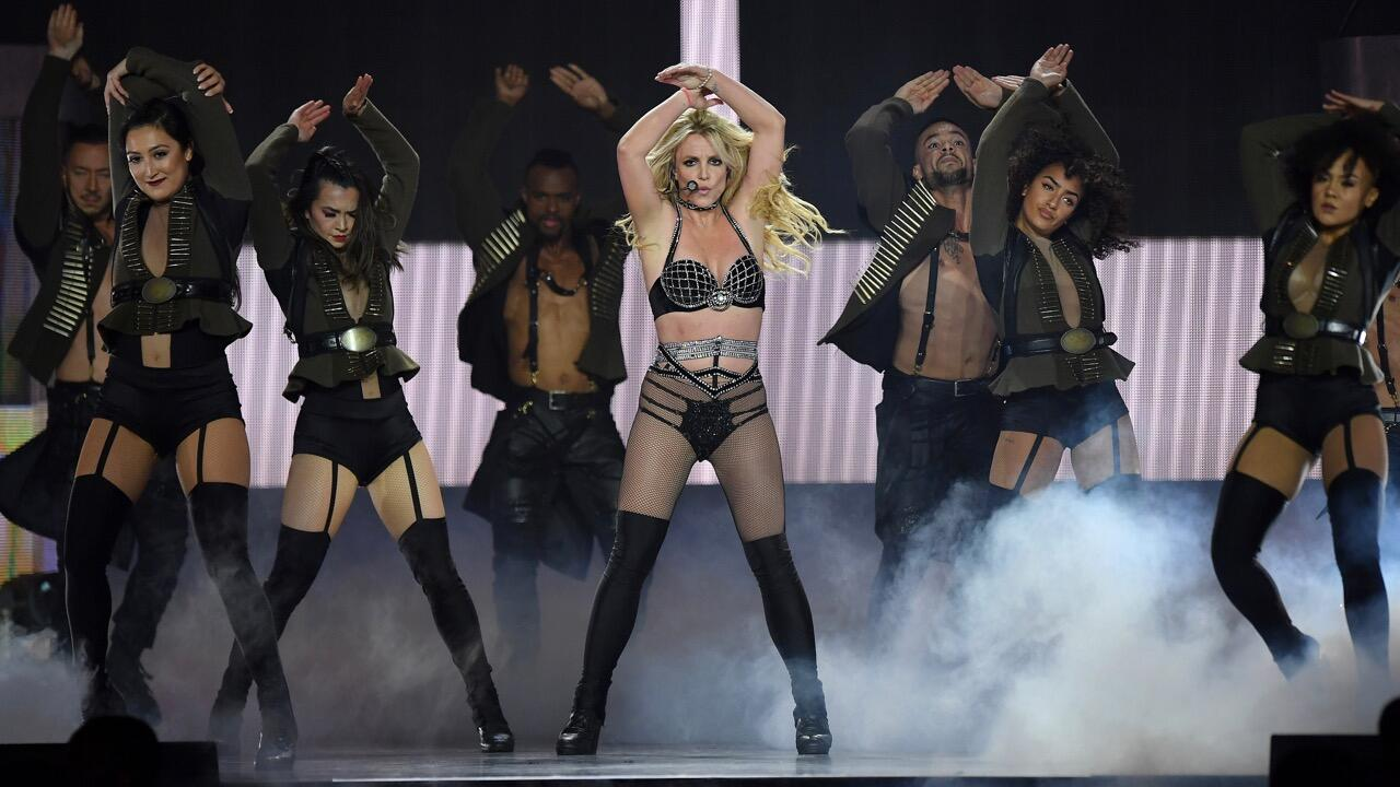 Britney Spears, 39, just got her first iPad, calls it 'groundbreaking day'