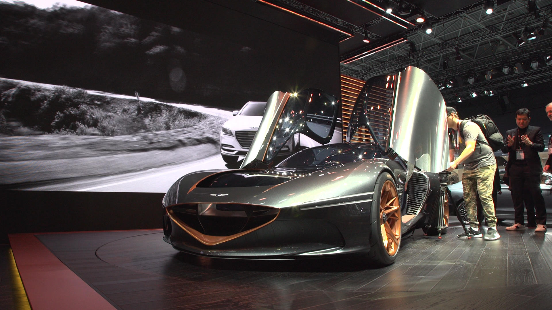 Video: Feast your eyes on the Genesis Essentia concept