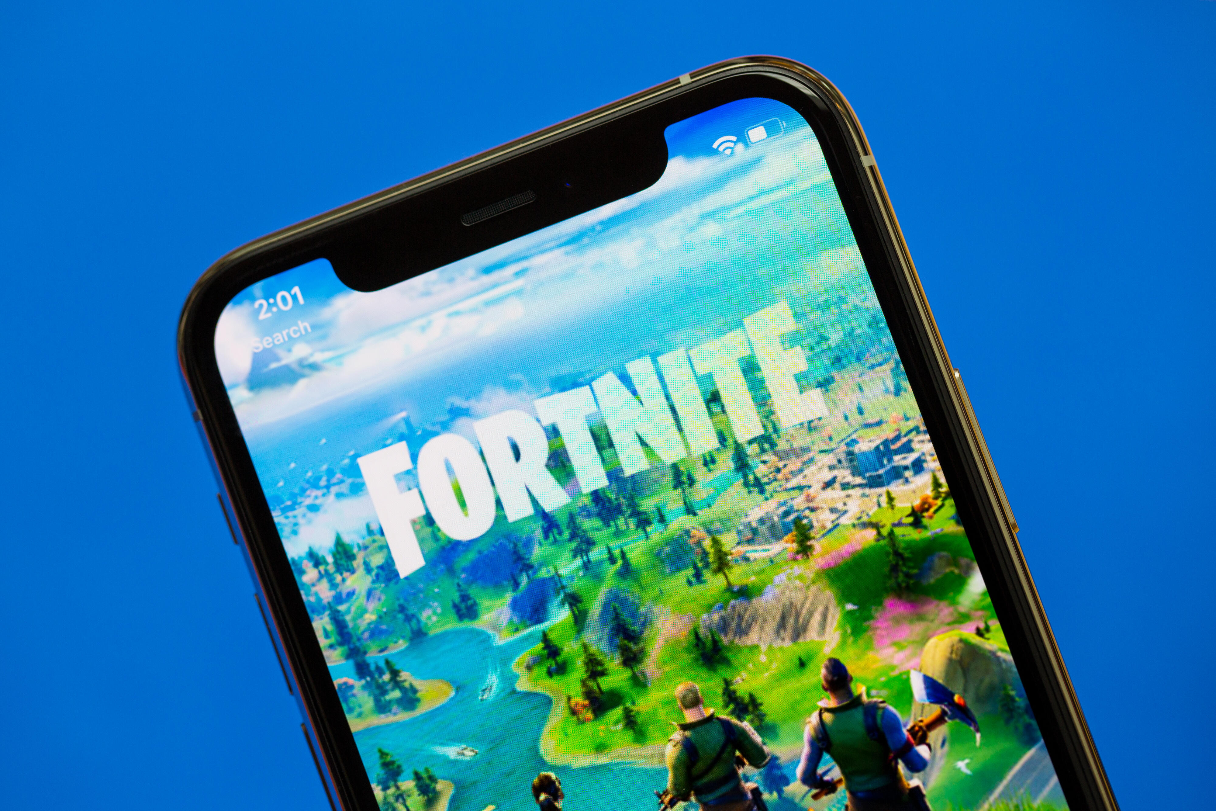 Adding Fortnite Mobile Fortnite Banned From Apple And Google App Stores And Developer Epic Sues Cnet