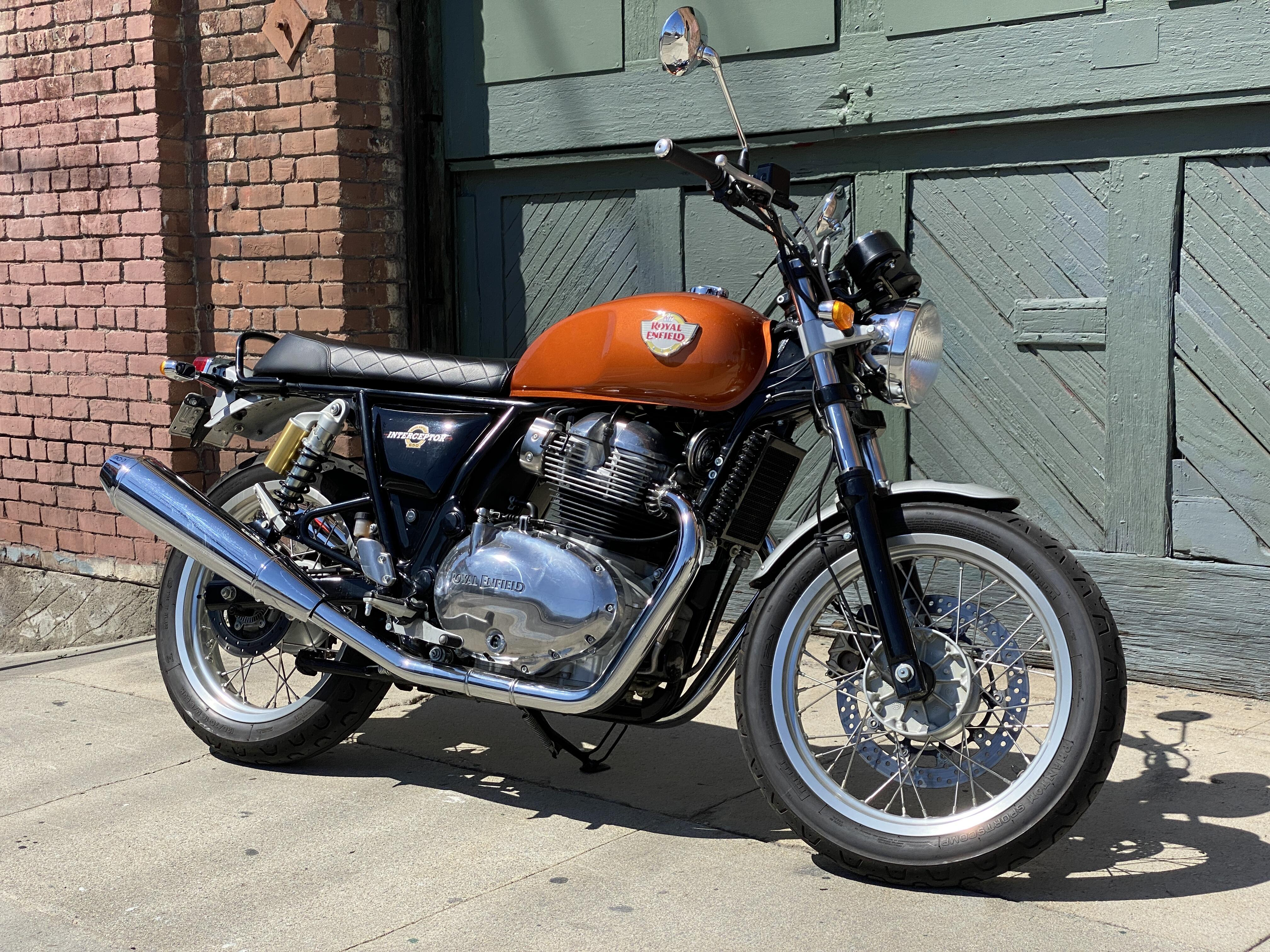 <p>This doesn't look or feel like a $5,700 motorcycle and that's a good thing.</p>