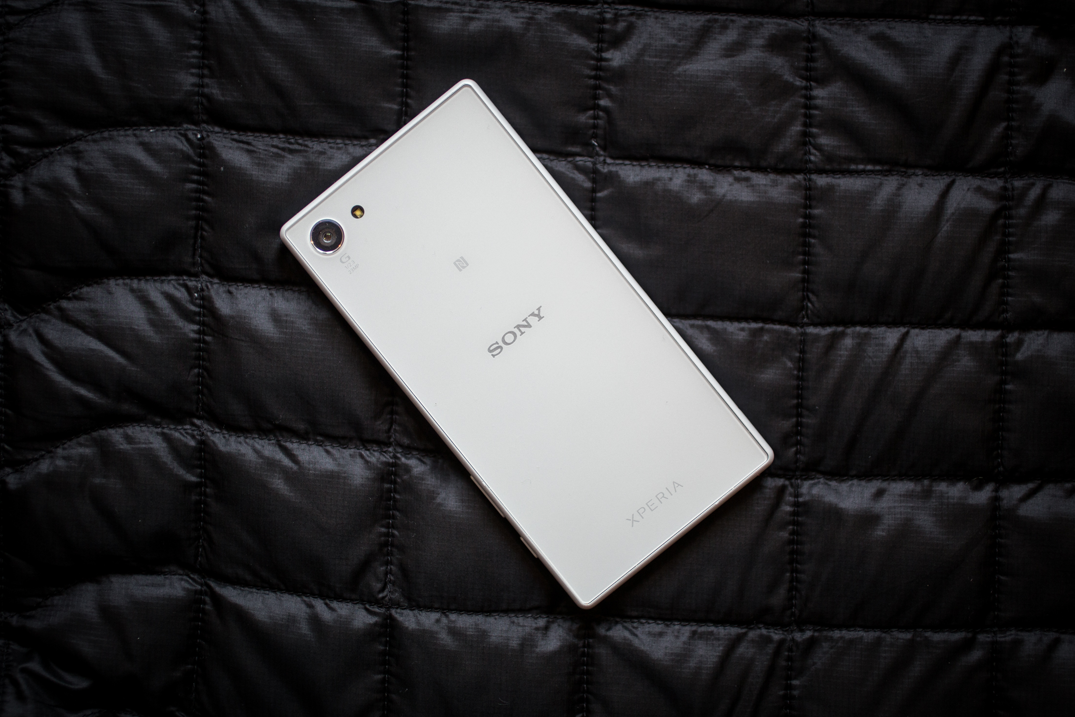 sony-xperia-z5-compact-product-shots.jpg