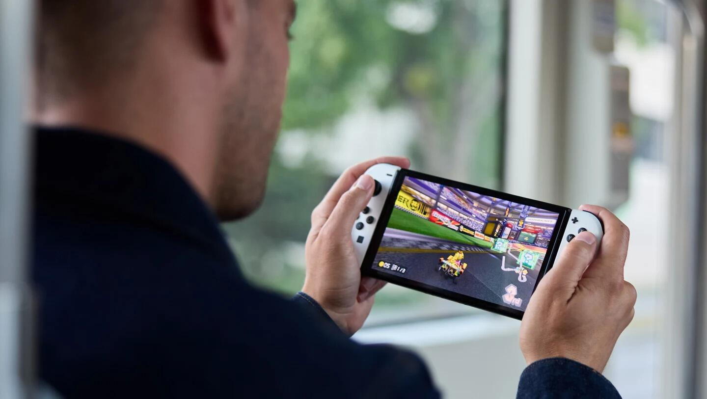 New Nintendo Switch OLED Leaves Fans Disappointed