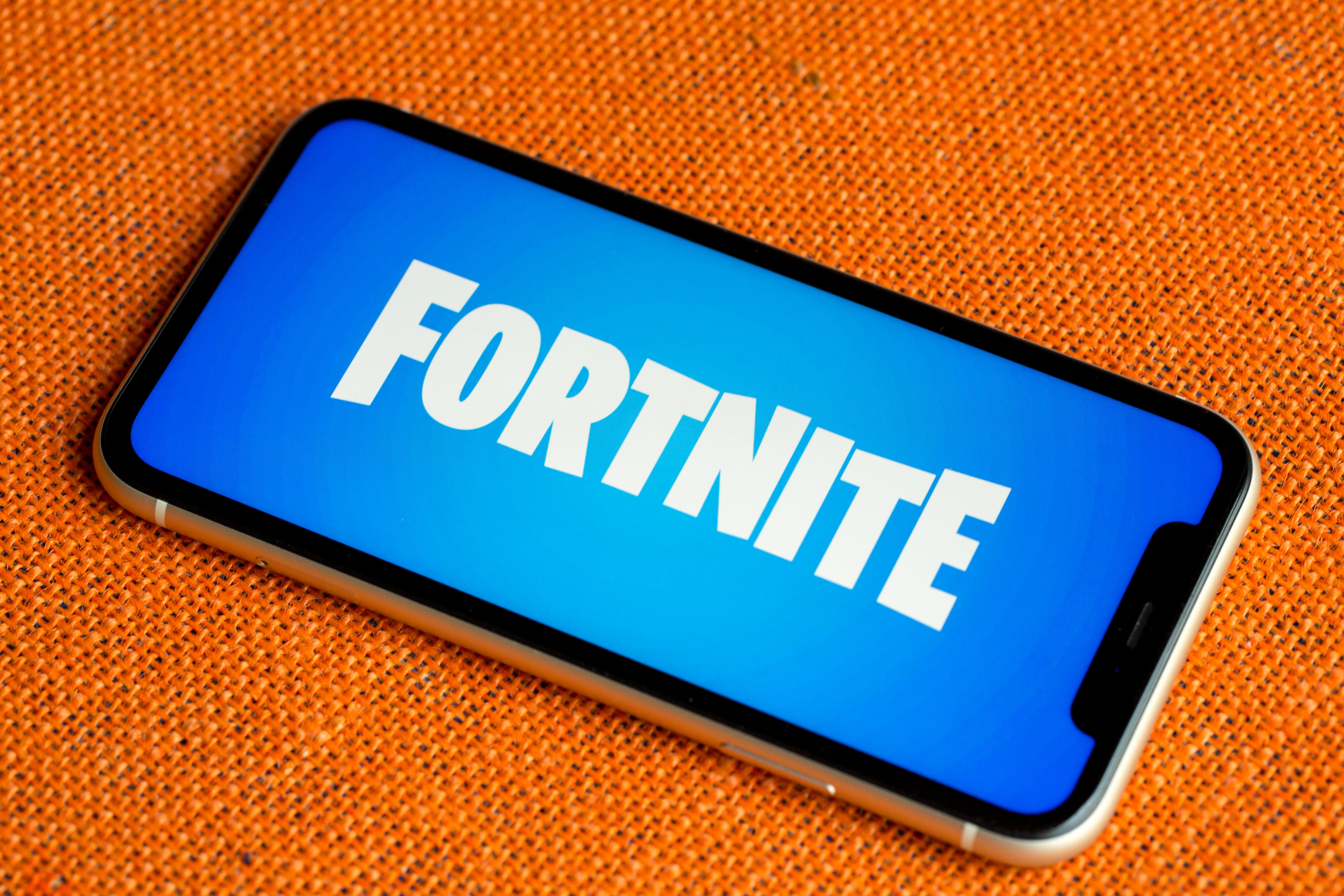 Apple says Epic's suit is really an effort to revive 'flagging interest' in Fortnite thumbnail