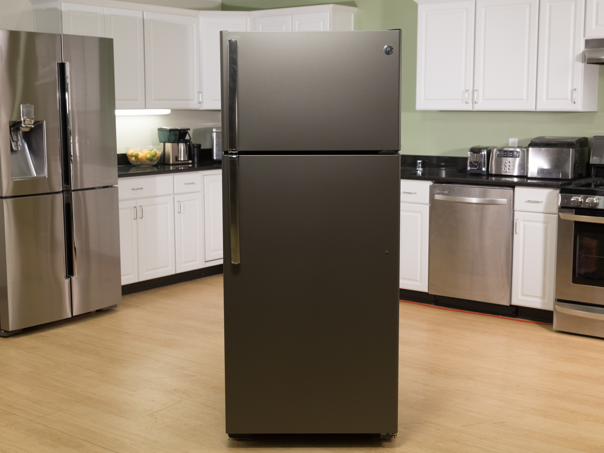 ge-top-freezer-gte18gmhes-product-photos-1.jpg