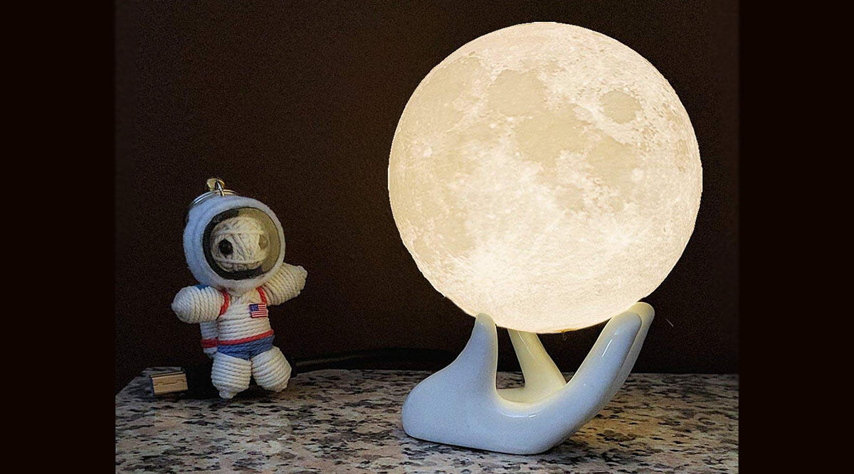 This beautiful moon lamp