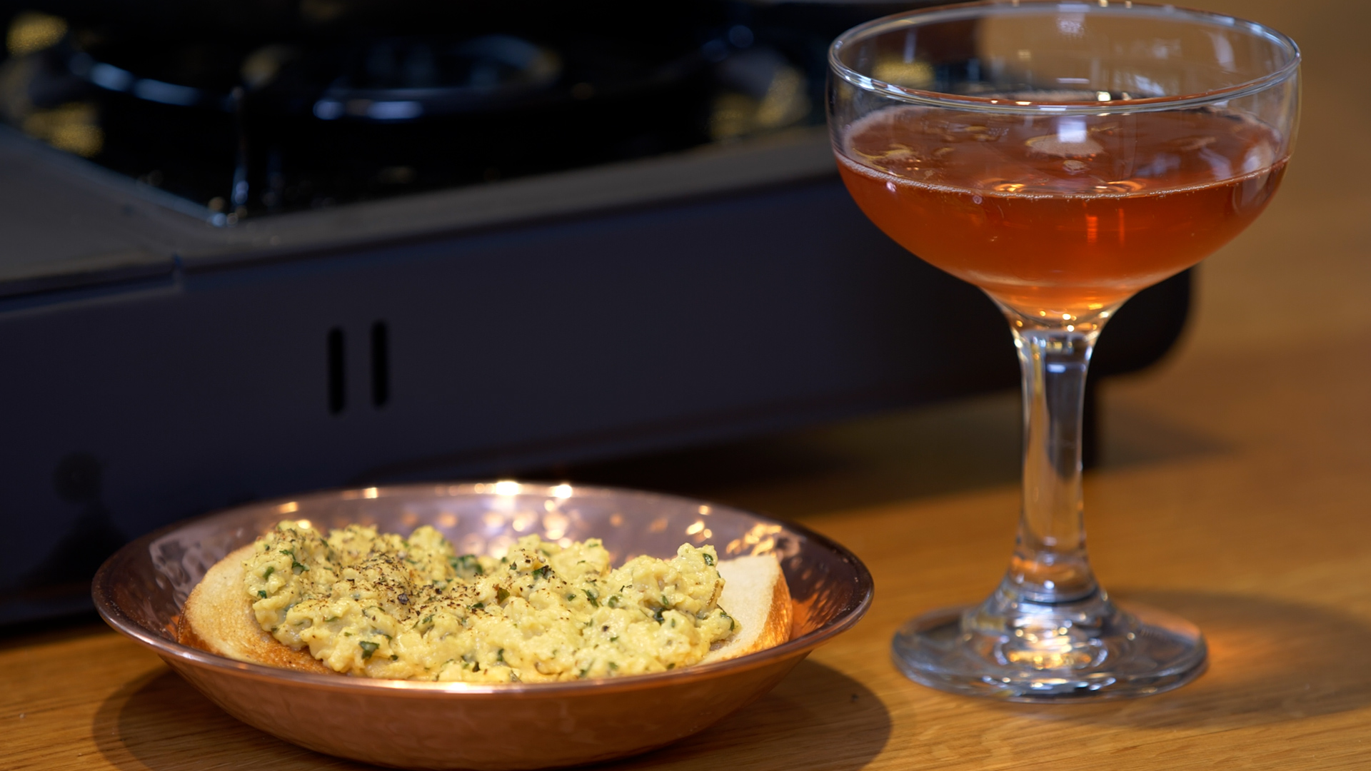 Video: Scrambled Eggs James Bond, the perfect meal for a Bond movie