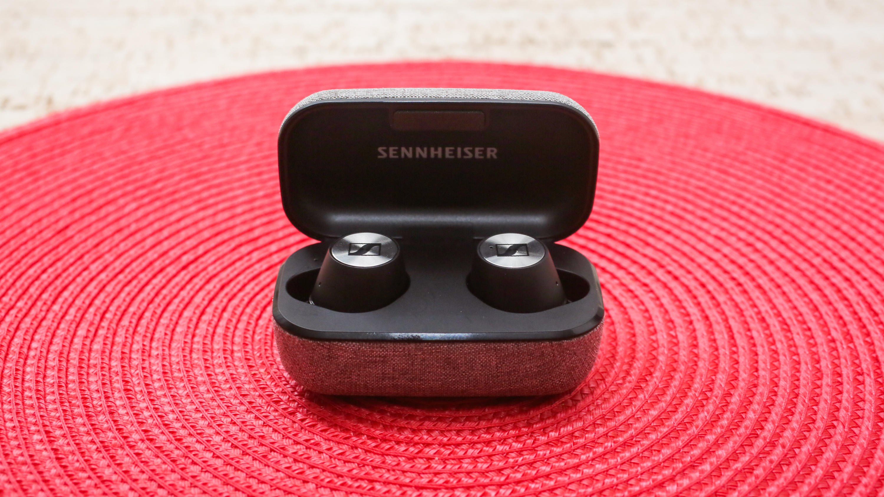 02-sennheiser-momentum-true-wireless