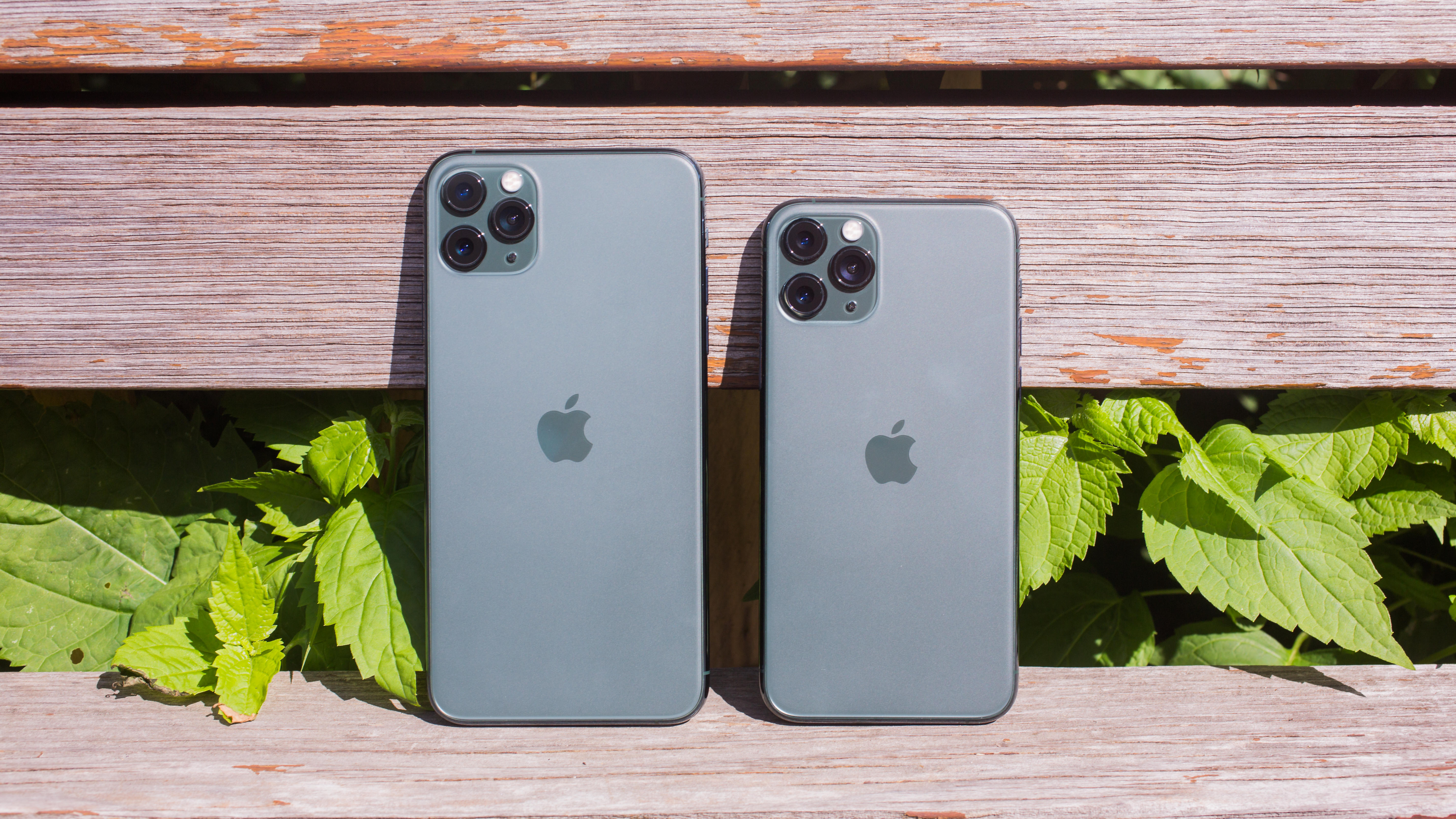 02-iphone-11-pro-and-iphone-11-max