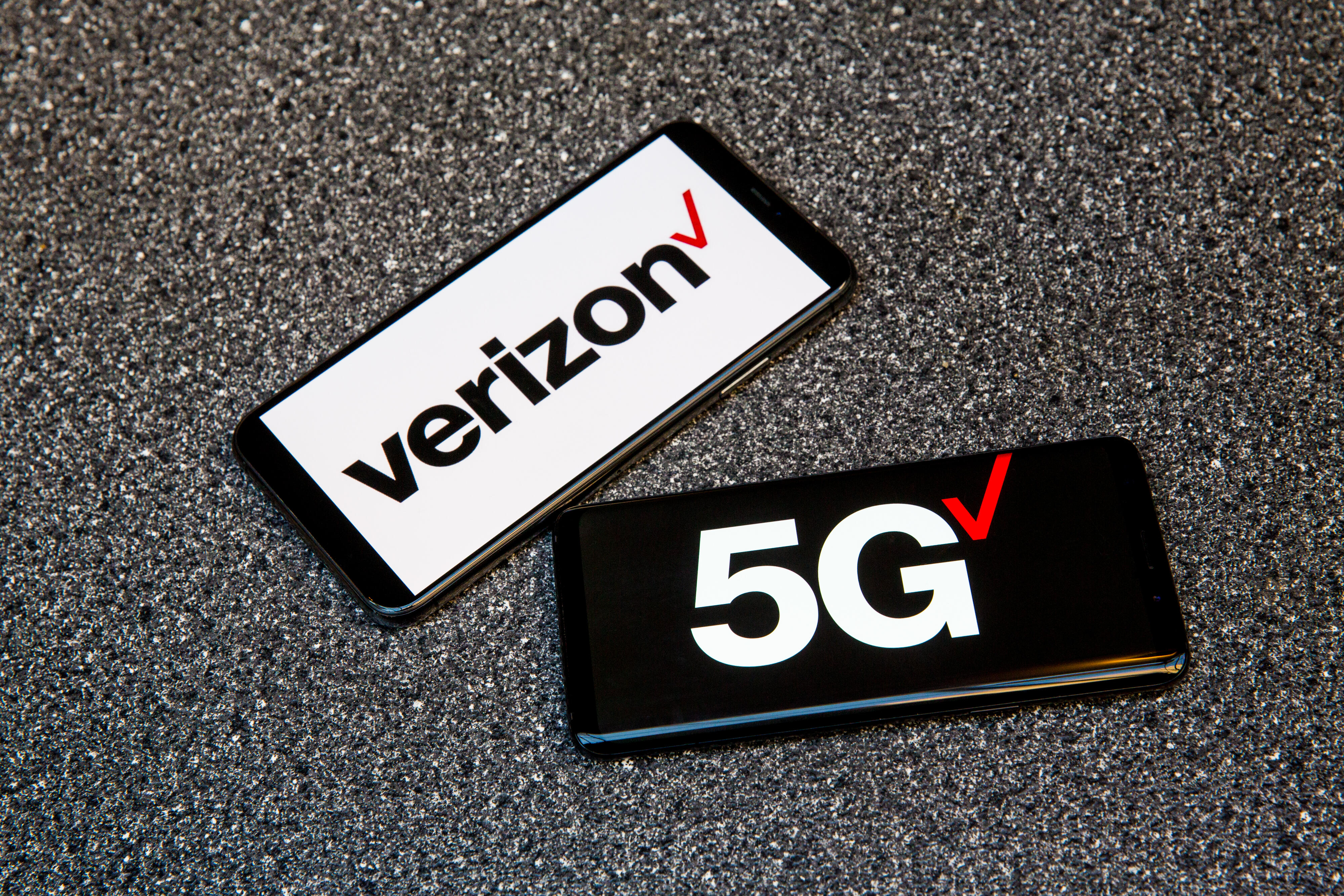 Verizon ends 2020 with growth in wireless, Fios internet users