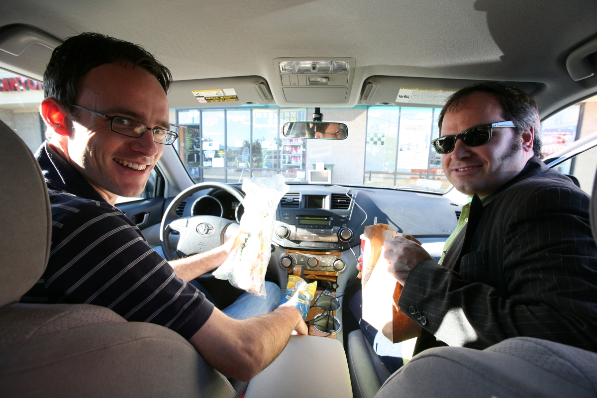 CNET editors pick up some lunch on the way to Los Angeles.