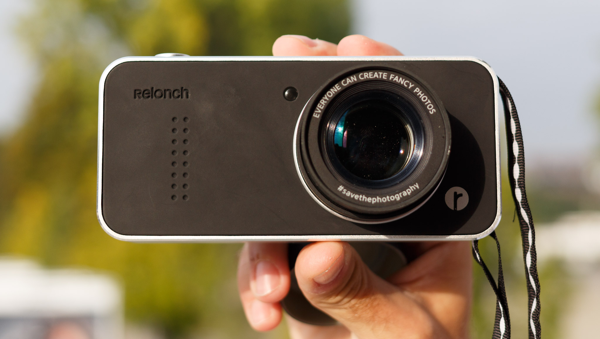 The Relonch Camera snaps onto an iPhone to let people take more dramatic photos than the phone can on its own, the startup says.