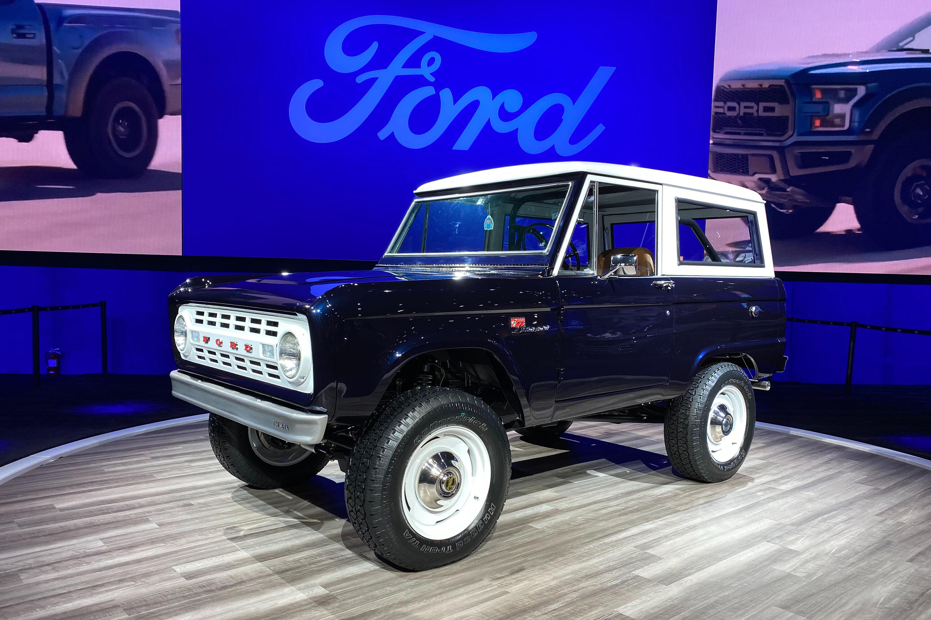 1968 Ford Bronco with GT500 engine