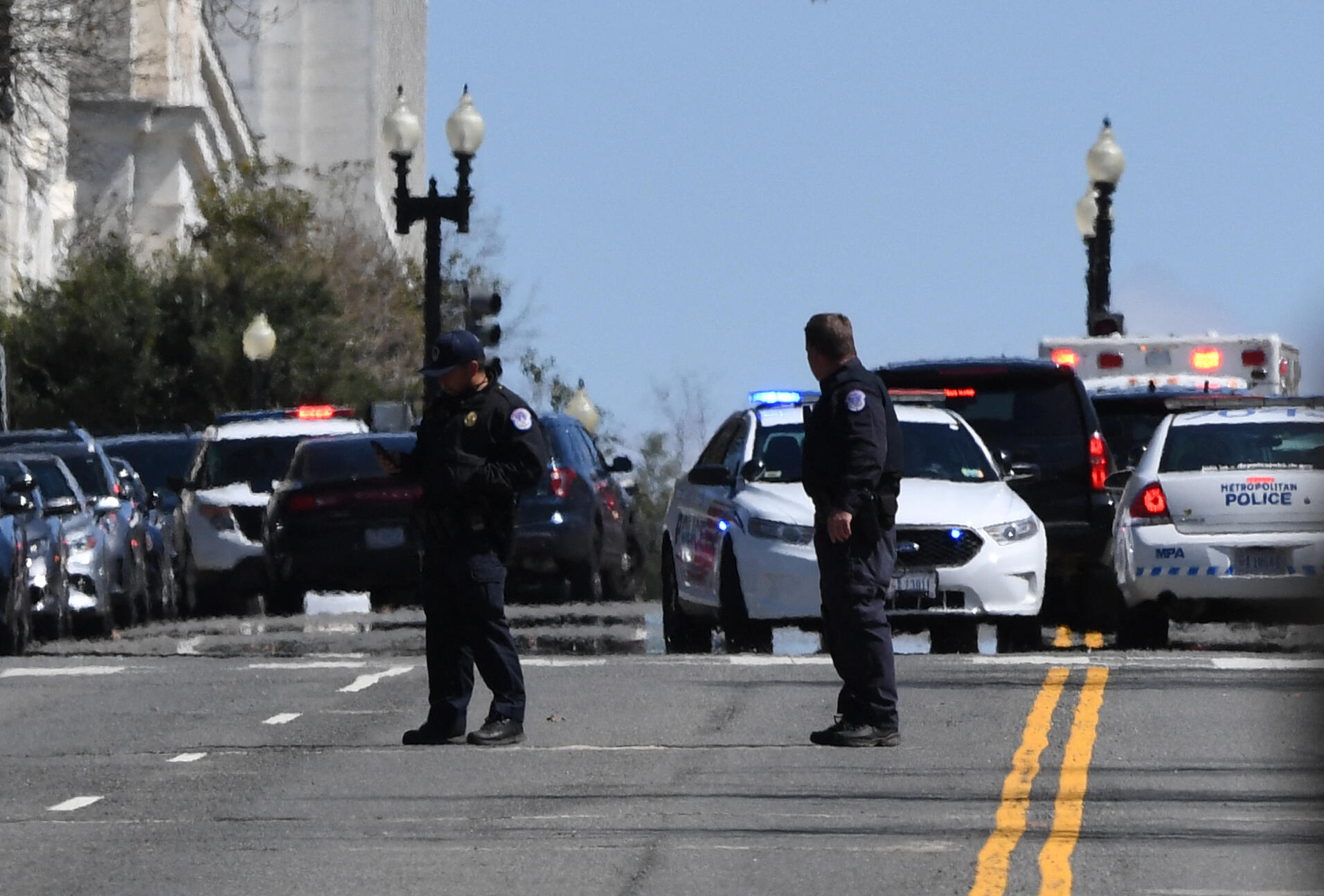 <p>US Capitol under lockdown after Auto rams barricade thumbnail