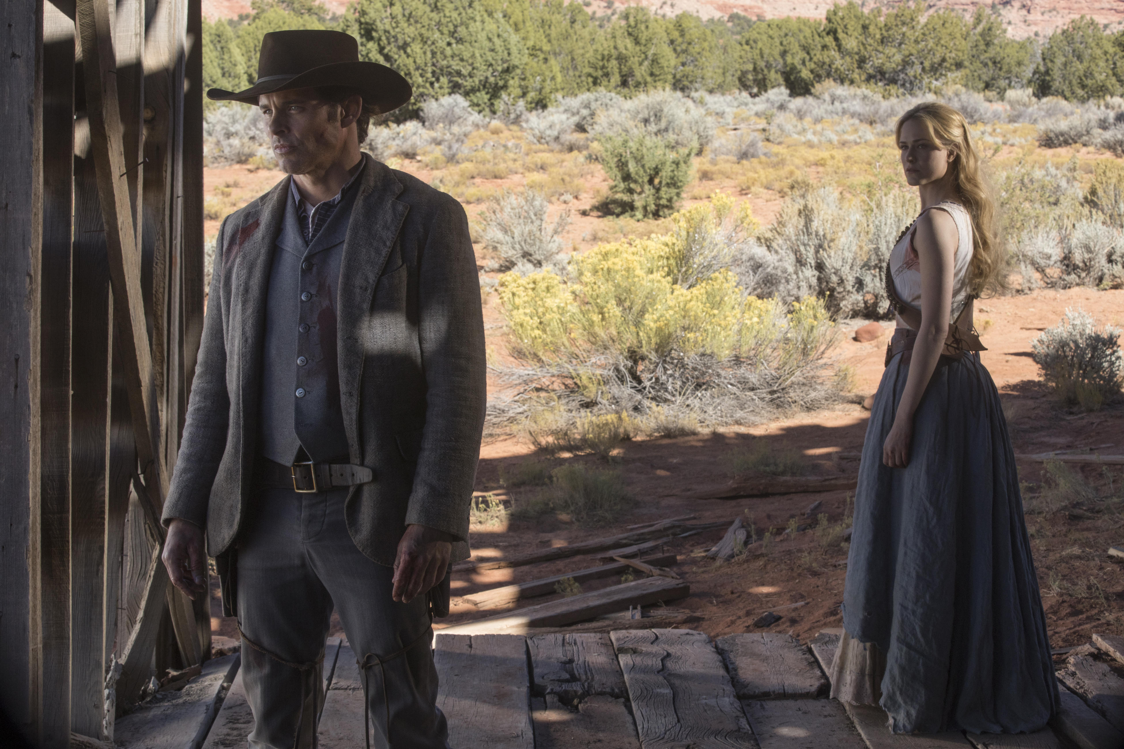 westworld-s2e9-teddy-dolores