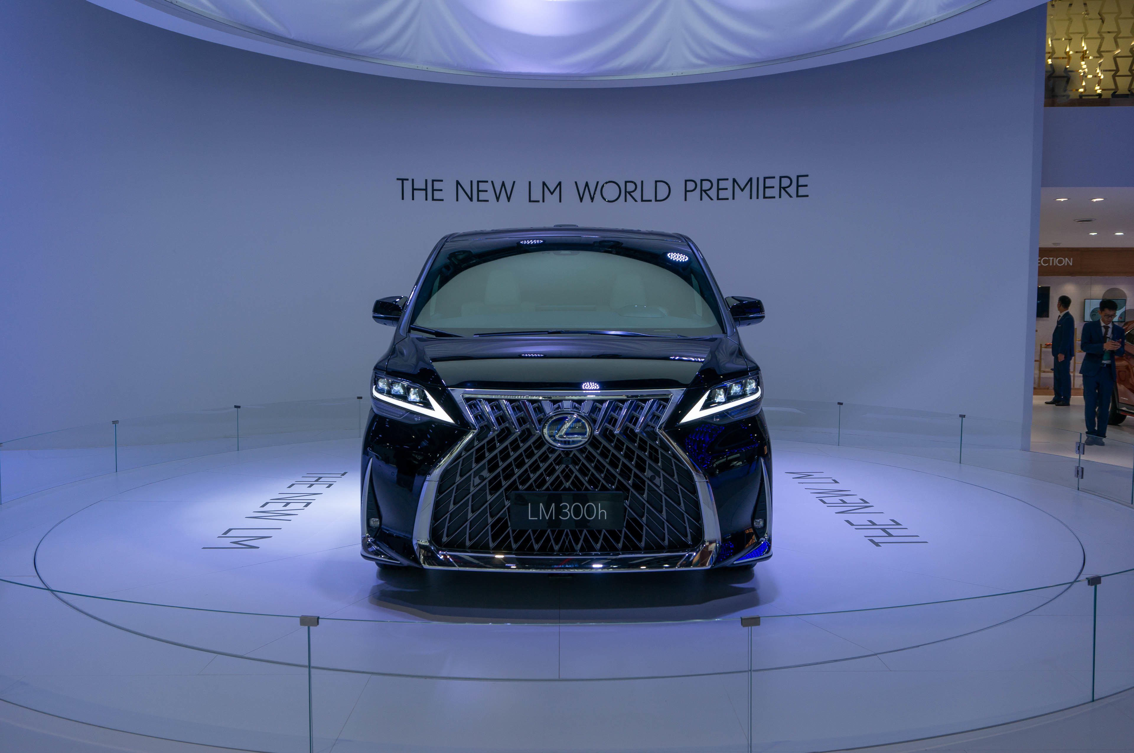 lexus-lm-at-shanghai-4834