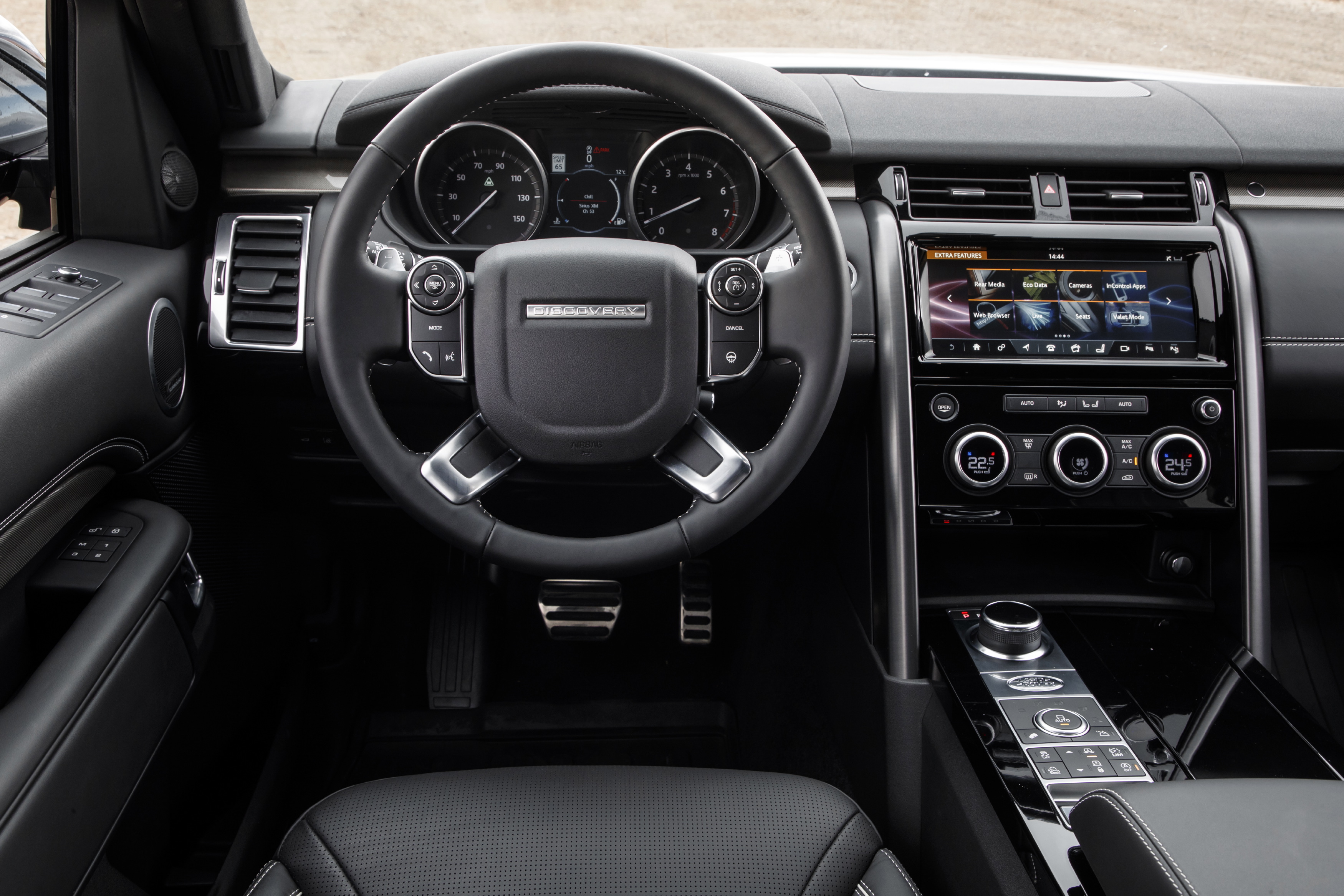 90-2017-land-rover-discovery-first-drive.jpg
